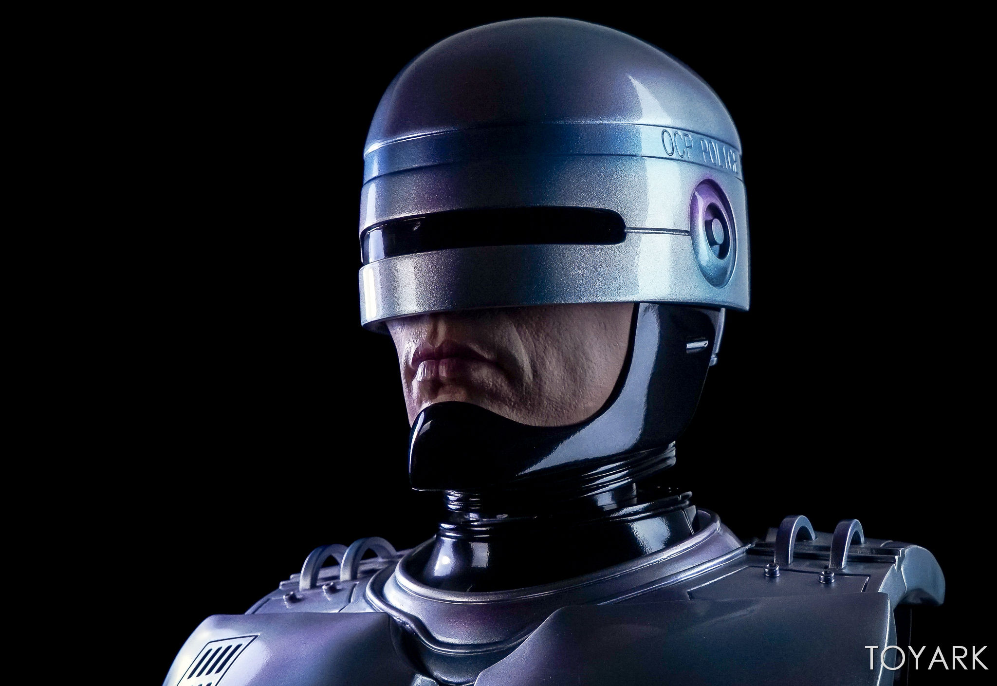 http://news.toyark.com/wp-content/uploads/sites/4/2017/09/Chronicle-Robocop-Half-Scale-Bust-026.jpg