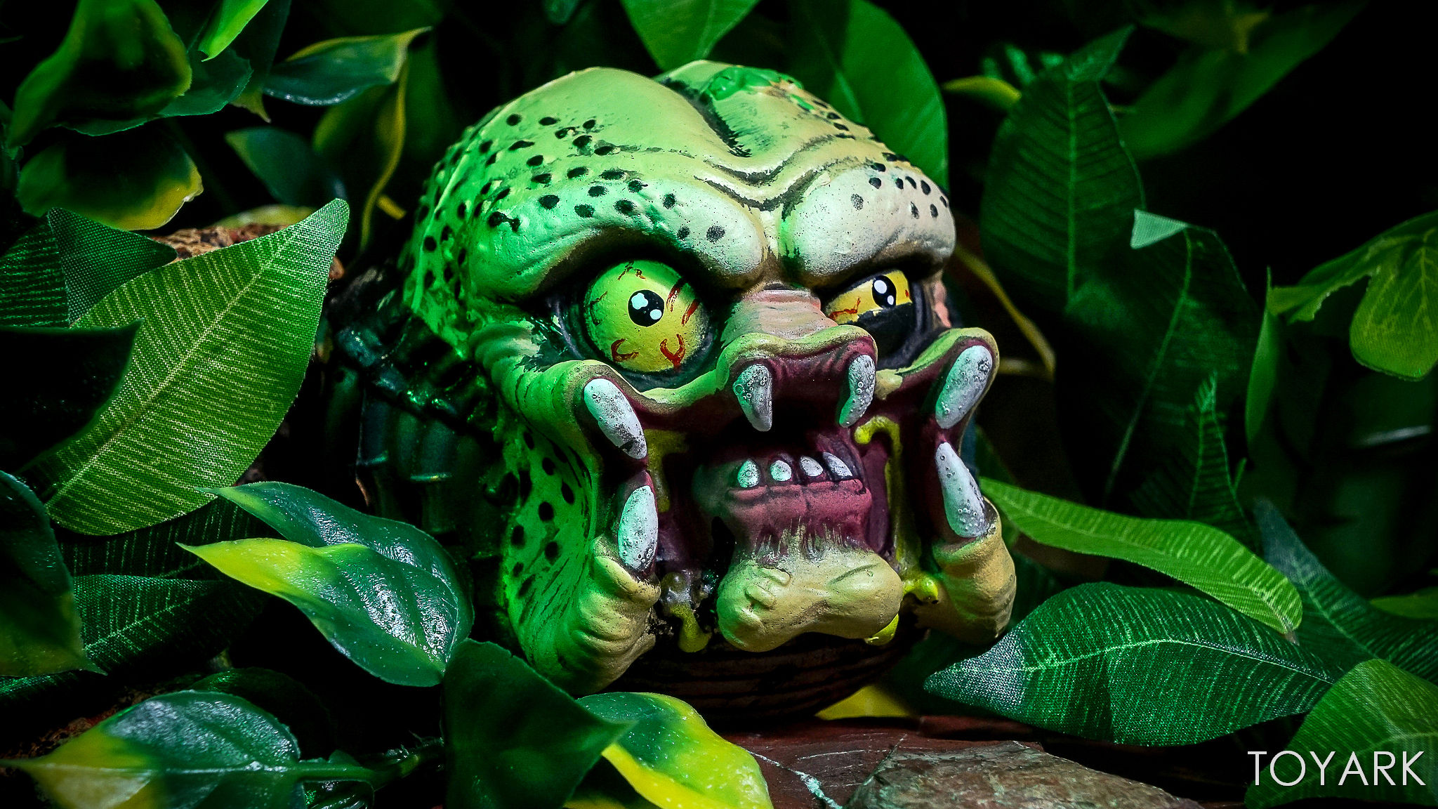 http://news.toyark.com/wp-content/uploads/sites/4/2017/09/Kidrobot-Horror-and-Sci-Fi-Madballs-035.jpg