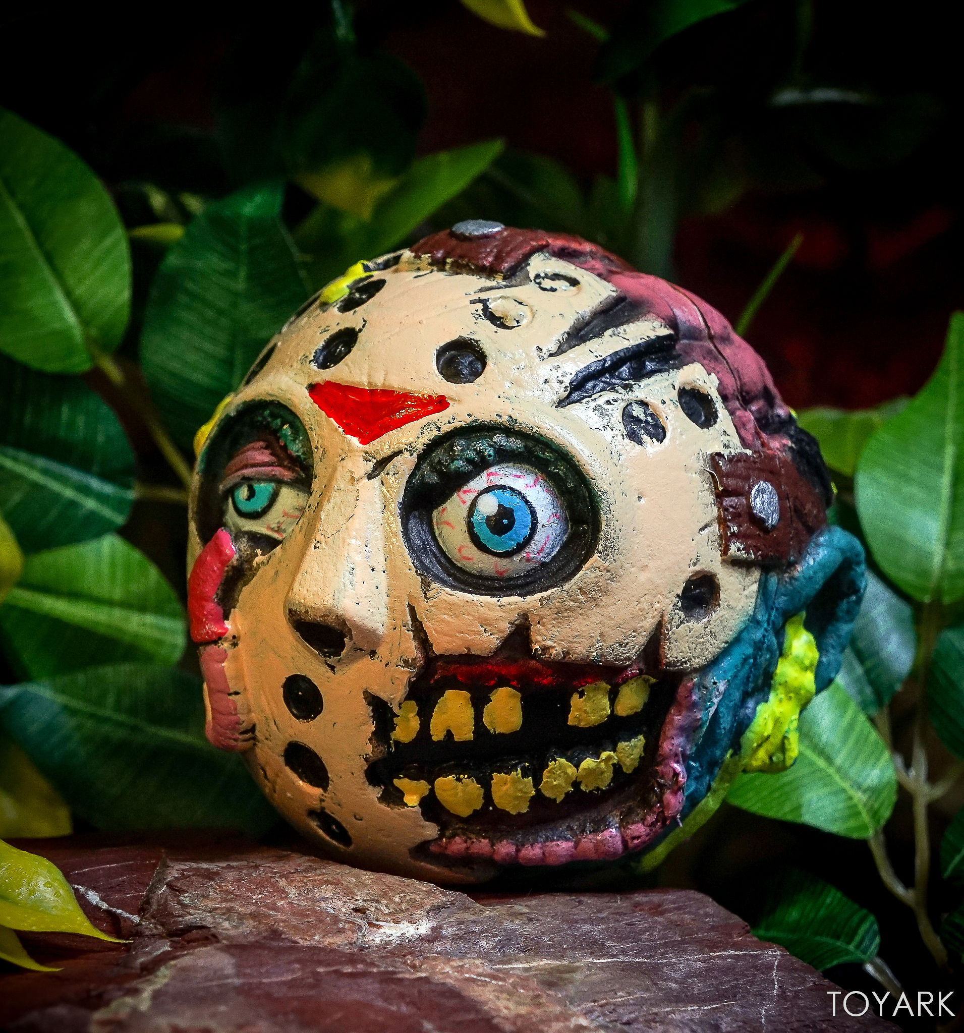 http://news.toyark.com/wp-content/uploads/sites/4/2017/09/Kidrobot-Horror-and-Sci-Fi-Madballs-036.jpg