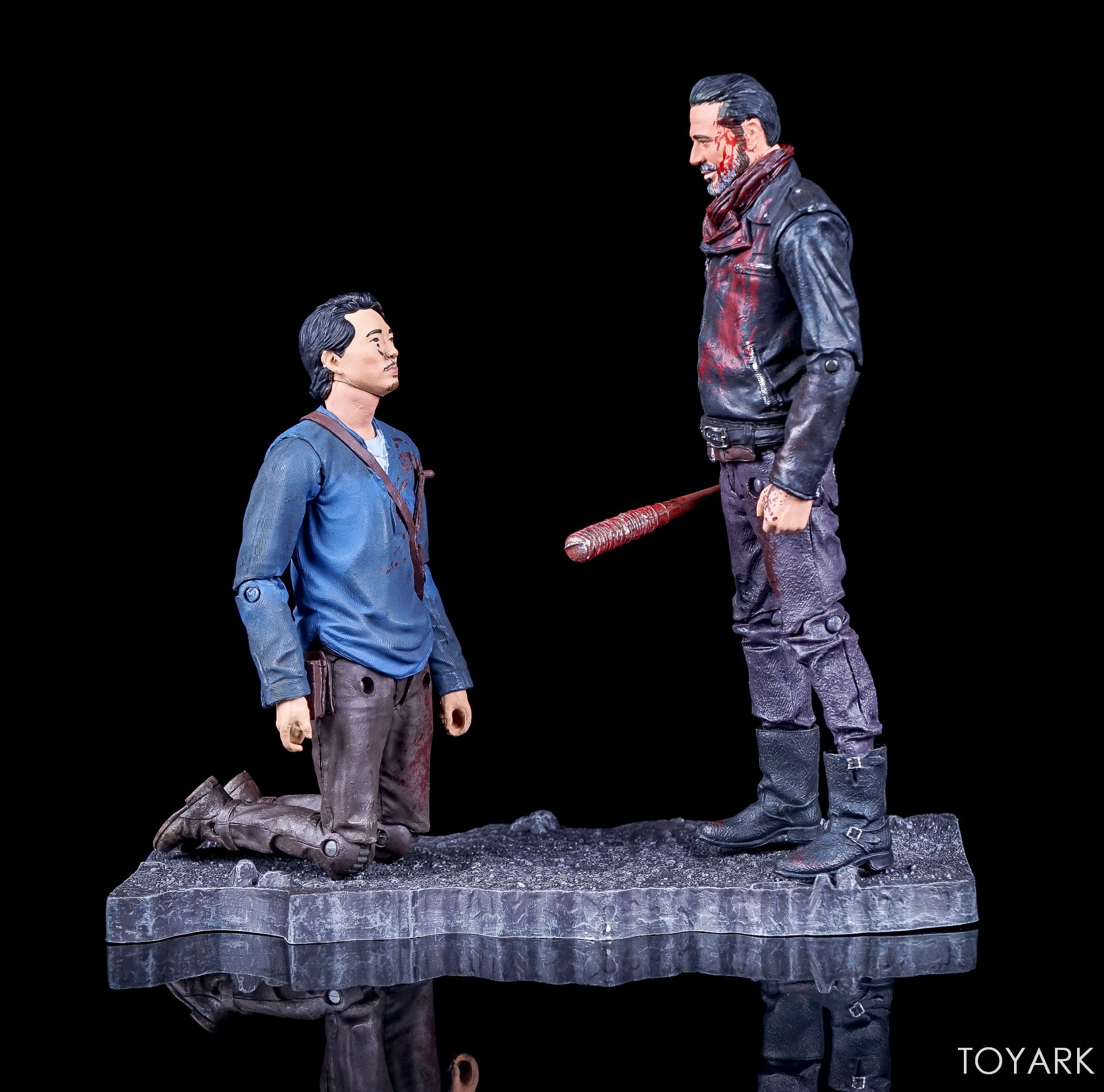 http://news.toyark.com/wp-content/uploads/sites/4/2017/09/Walking-Dead-Glenn-and-Negan-Set-003.jpg