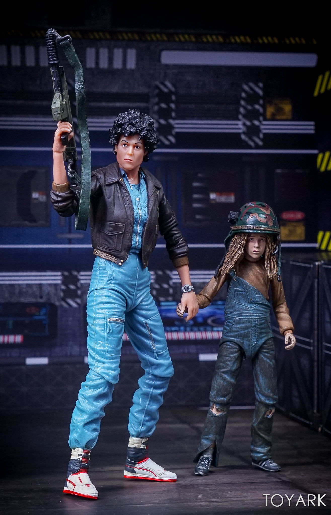 http://news.toyark.com/wp-content/uploads/sites/4/2017/10/NECA-Aliens-Series-12-Figures-040.jpg