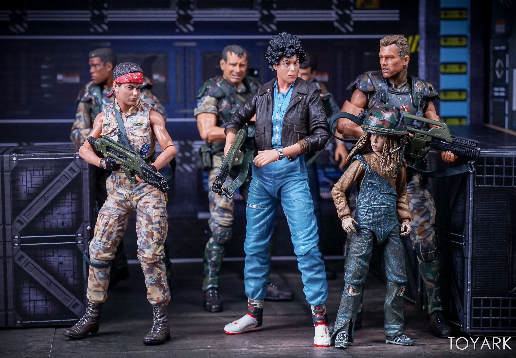 http://news.toyark.com/wp-content/uploads/sites/4/2017/10/NECA-Aliens-Series-12-Figures-043.jpg