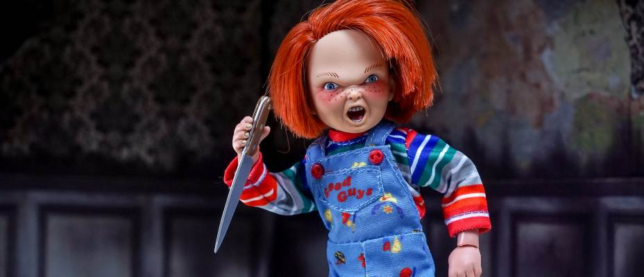 NECA Retro Mego Style Child's Play Chucky Figure - Toyark Photo Shoot
