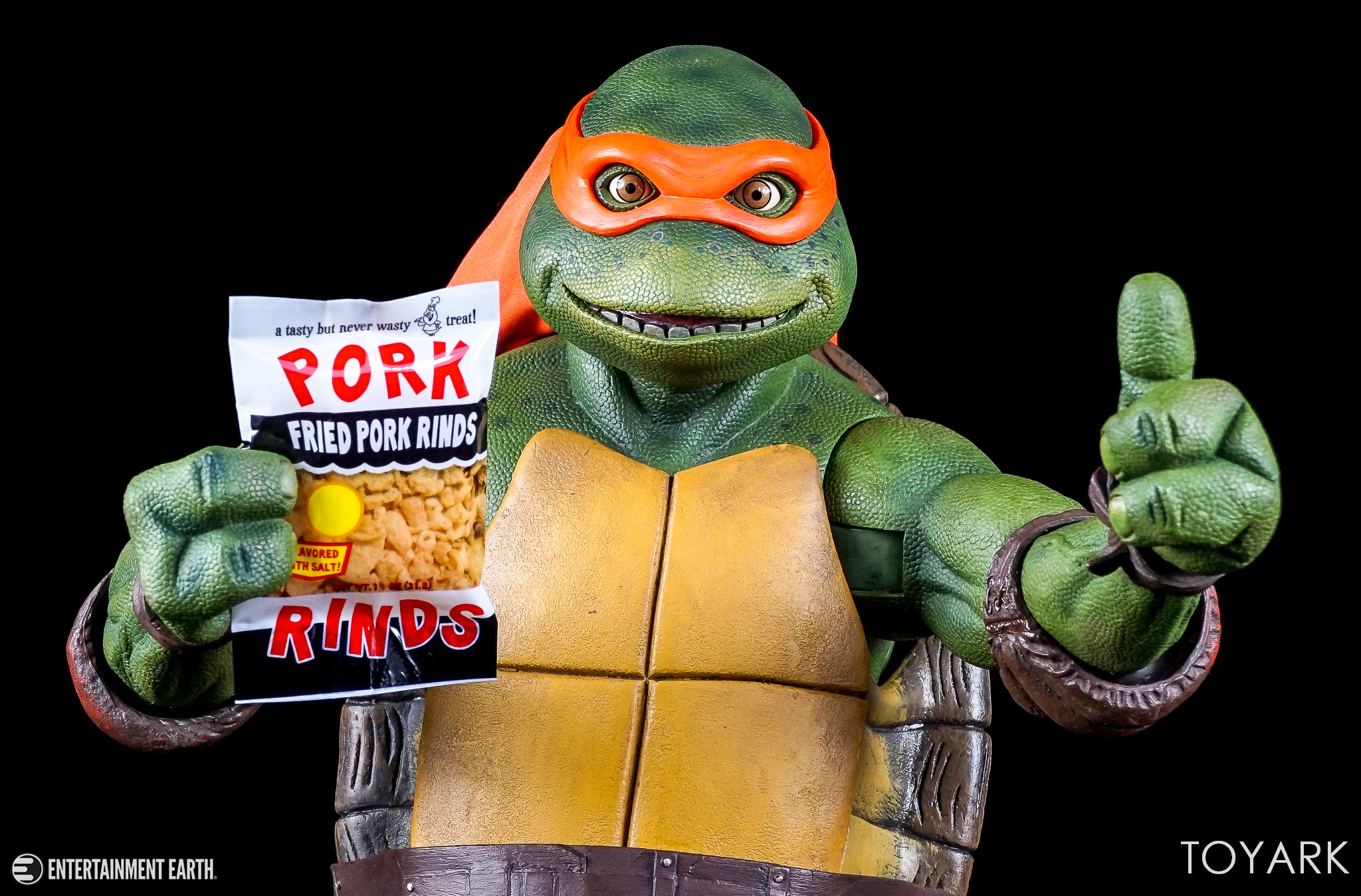 http://news.toyark.com/wp-content/uploads/sites/4/2017/10/NECA-Quarter-Scale-TMNT-Michelangelo-020.jpg