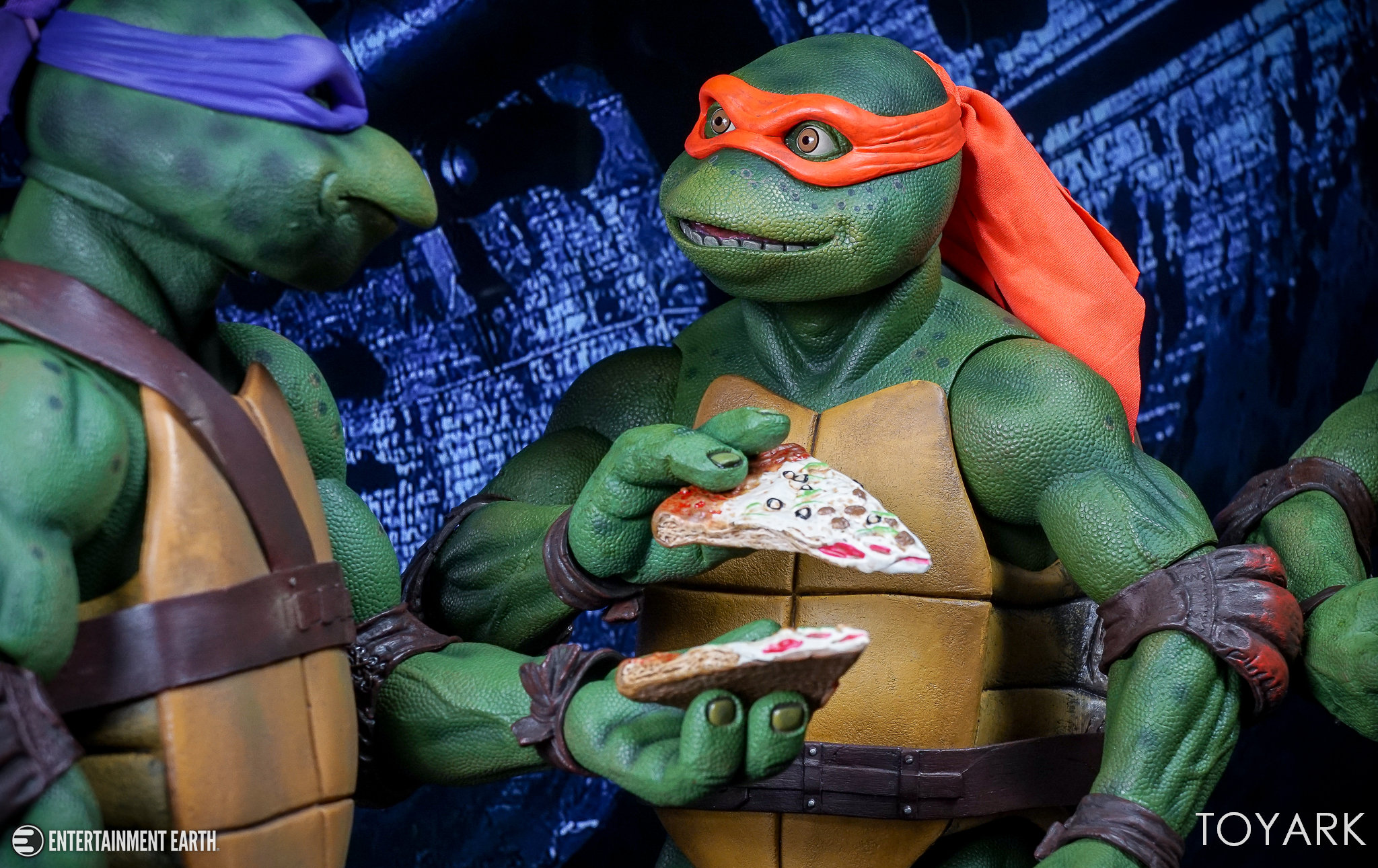 http://news.toyark.com/wp-content/uploads/sites/4/2017/10/NECA-Quarter-Scale-TMNT-Michelangelo-032.jpg