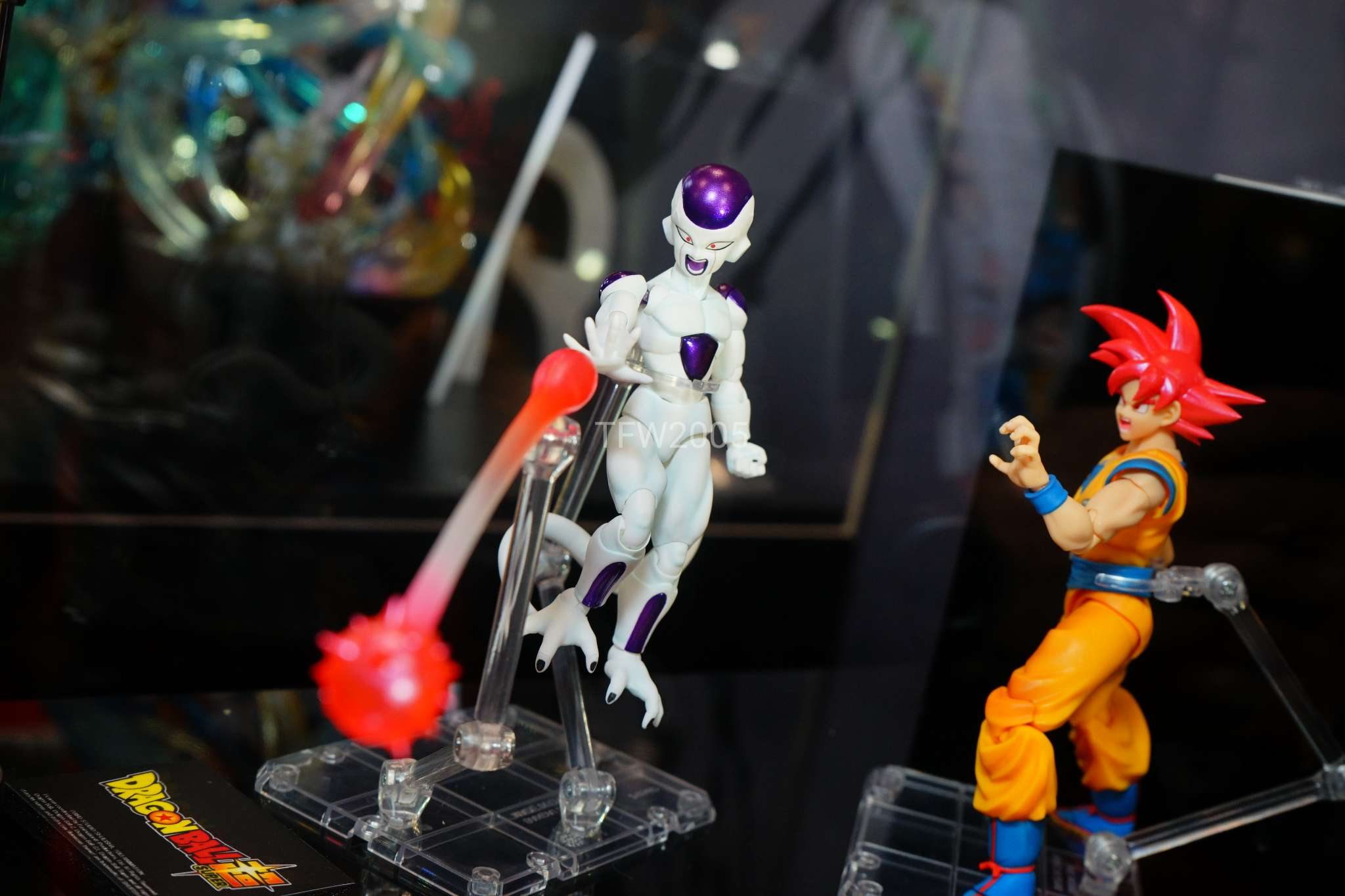 http://news.toyark.com/wp-content/uploads/sites/4/2017/10/NYCC-2017-Tamashii-Nations-DBZ-017.jpg