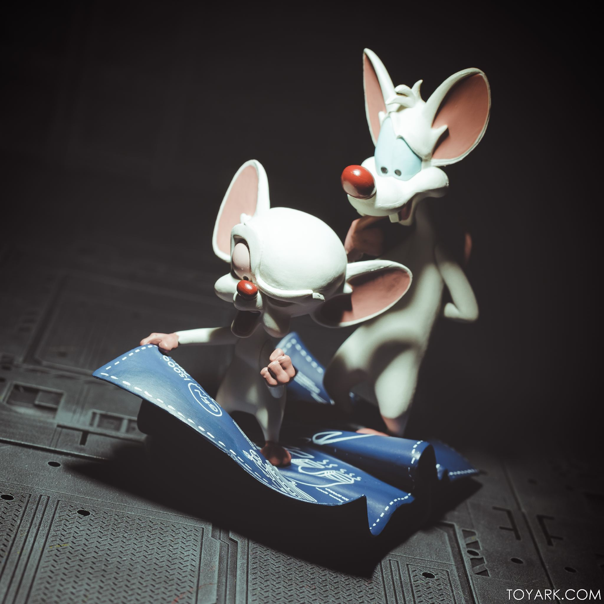 Qmx pinky and the brain q fig photo review the toyark news qmx pinky brain 09 thecheapjerseys Images