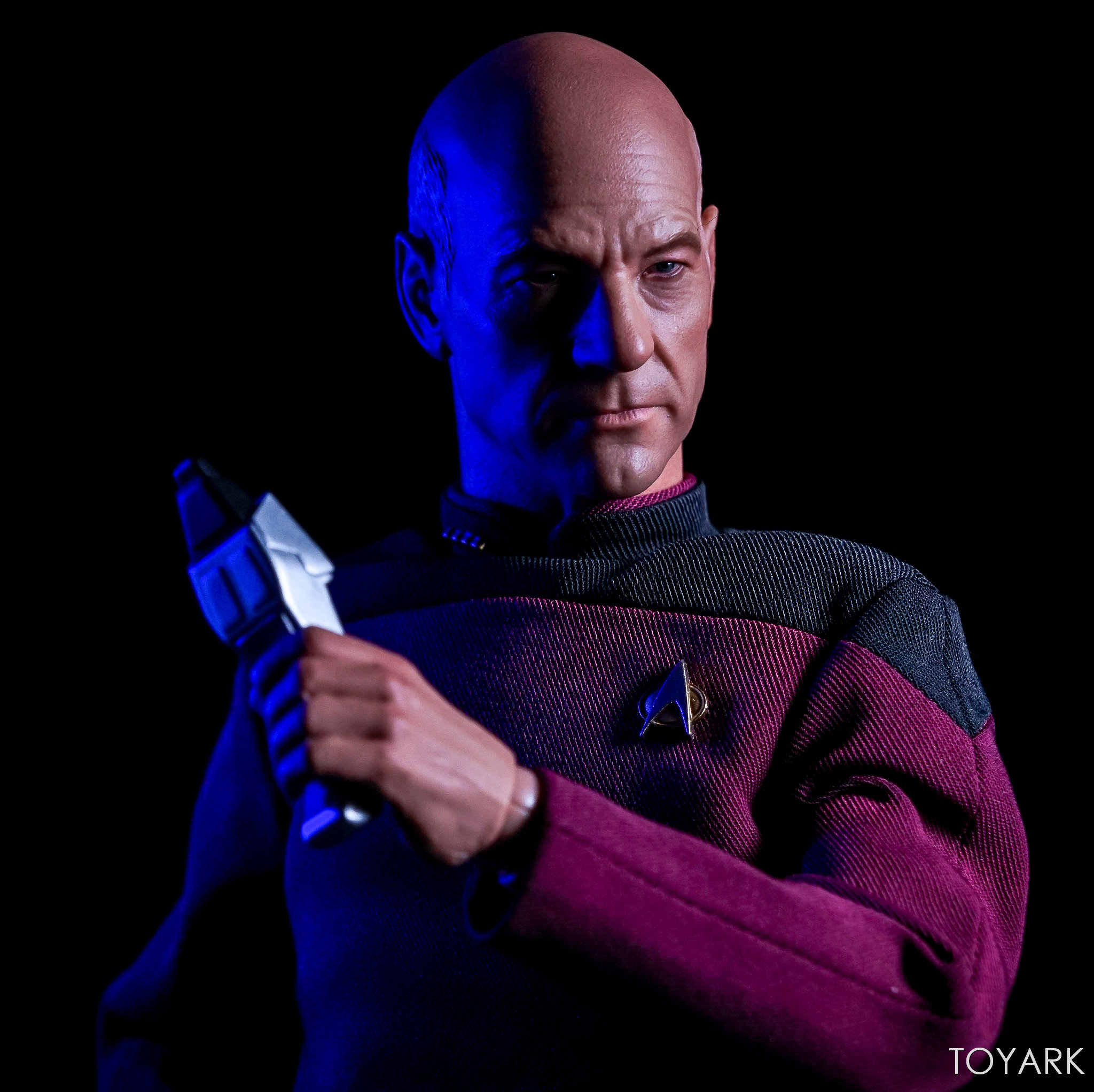 http://news.toyark.com/wp-content/uploads/sites/4/2017/10/Qmx-Star-Trek-TNG-Captain-Picard-046.jpg