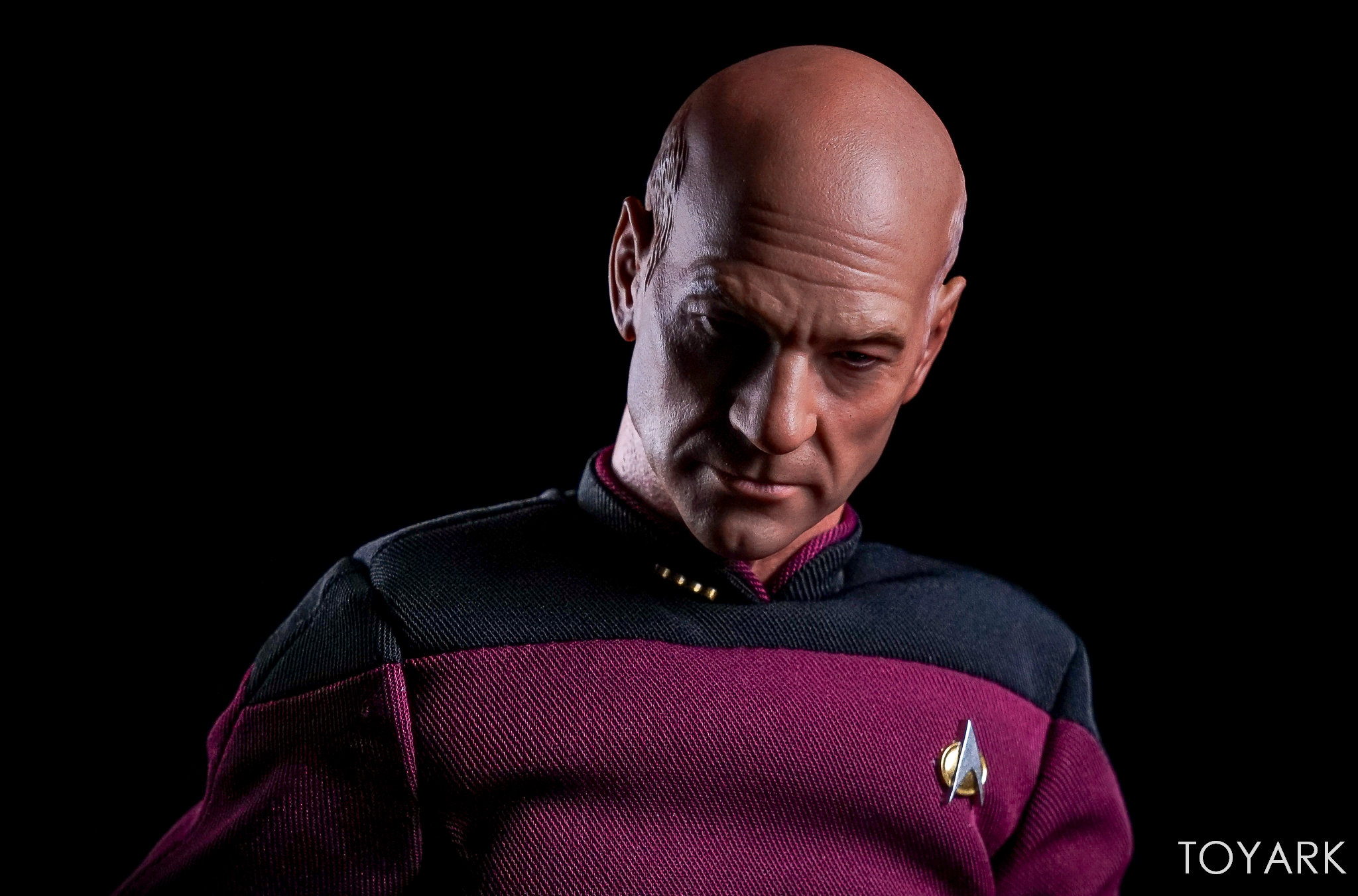 http://news.toyark.com/wp-content/uploads/sites/4/2017/10/Qmx-Star-Trek-TNG-Captain-Picard-049.jpg