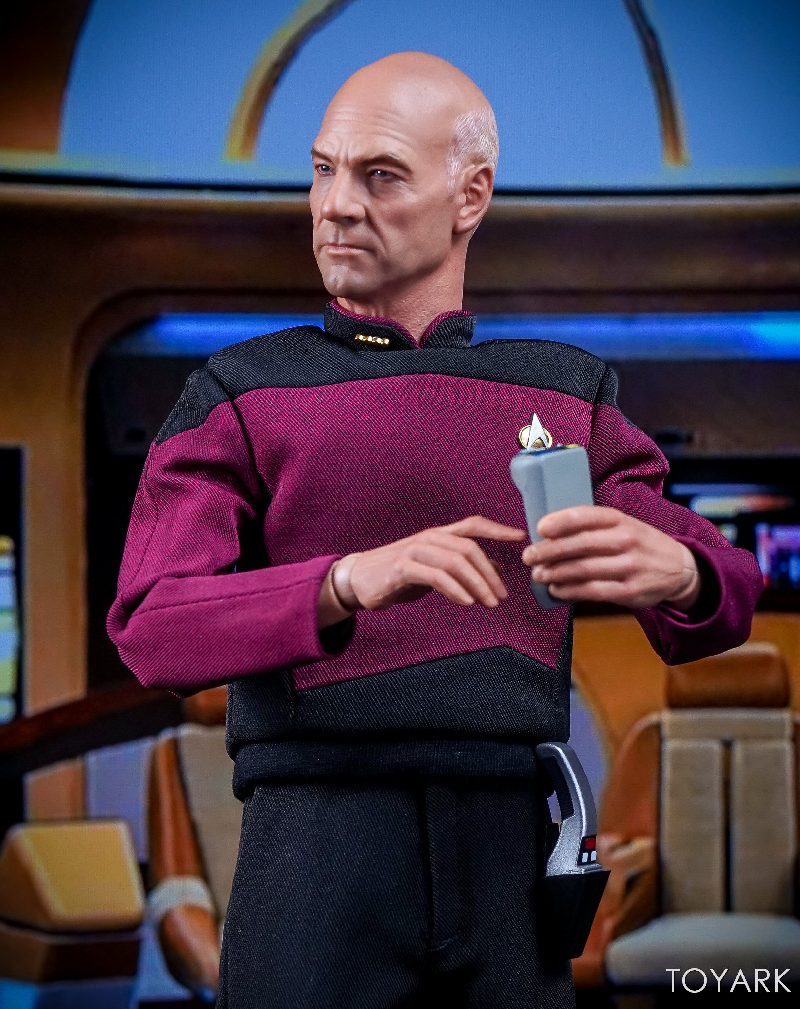 http://news.toyark.com/wp-content/uploads/sites/4/2017/10/Qmx-Star-Trek-TNG-Captain-Picard-058.jpg