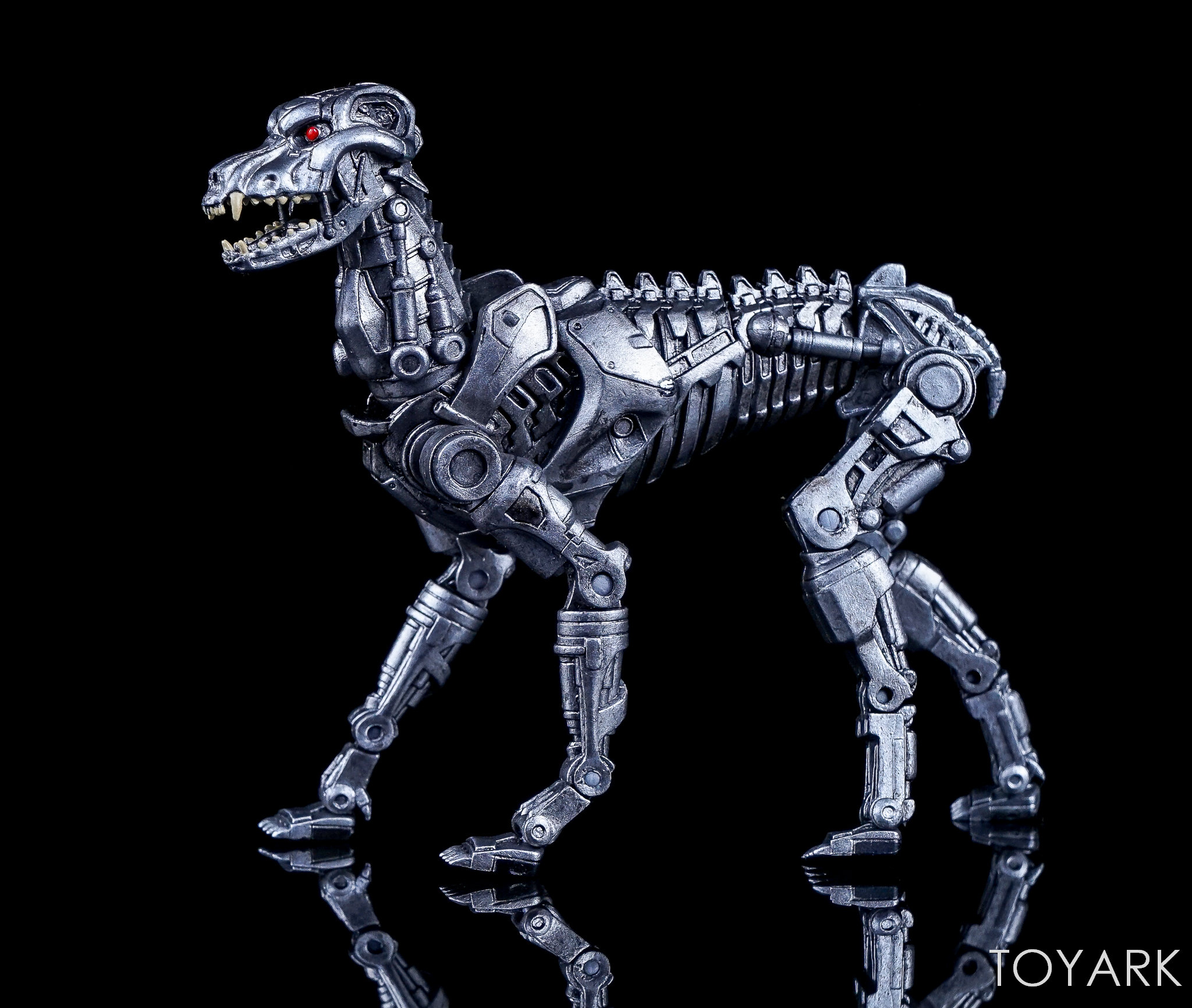 http://news.toyark.com/wp-content/uploads/sites/4/2017/12/NECA-EndoCop-and-Terminator-Dog-015.jpg