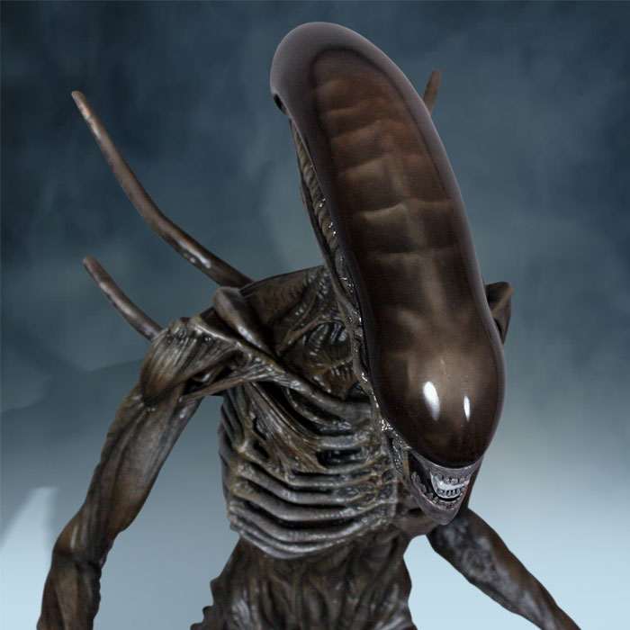 Alien: Covenant Xenomorph Statue by Hollywood Collectibles ...