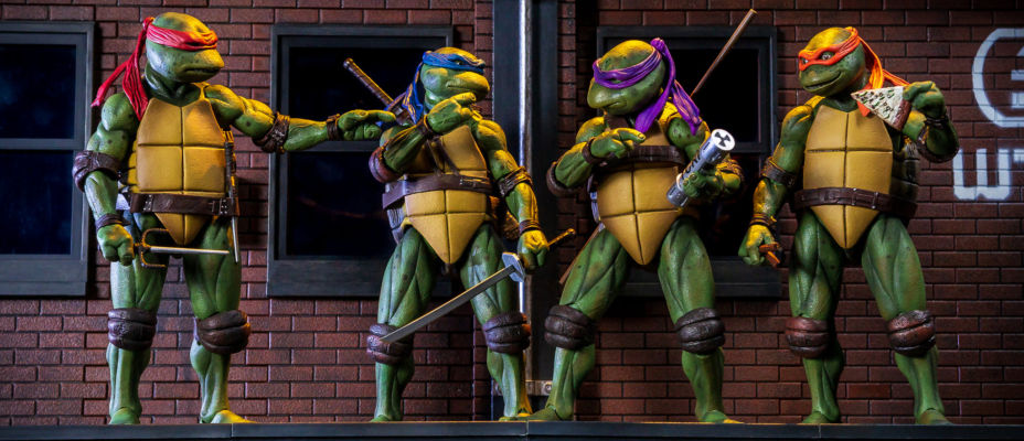 TMNT 1990 Movie 7-Inch Figures and Street Scene Diorama SDCC 2018 Exclusives - Toyark Photo Shoot