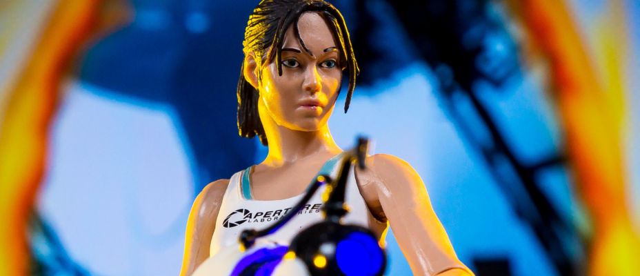 Portal 2 Chell Reissue by NECA - Toyark Photo Shoot