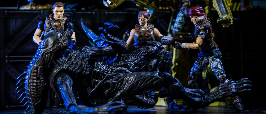 Hiya Toys Aliens: Colonial Marines - Redding, Cruz and Bella Figures - Toyark Photo Shoot