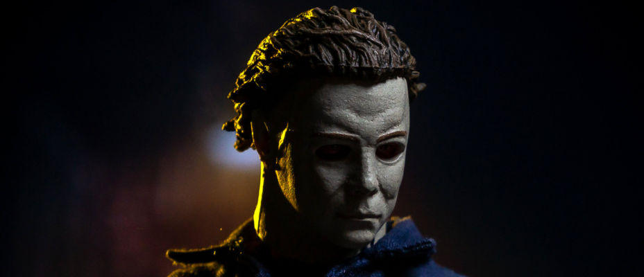Halloween Michael Myers One:12 Collective Figure by Mezco - Toyark Photo Shoot