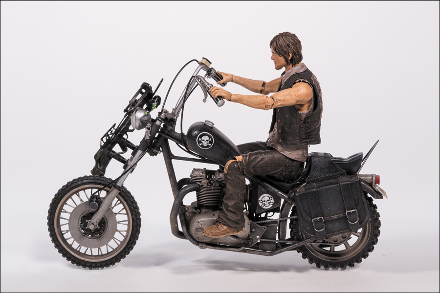 walking dead daryl dixon with bike packaged and loose pics