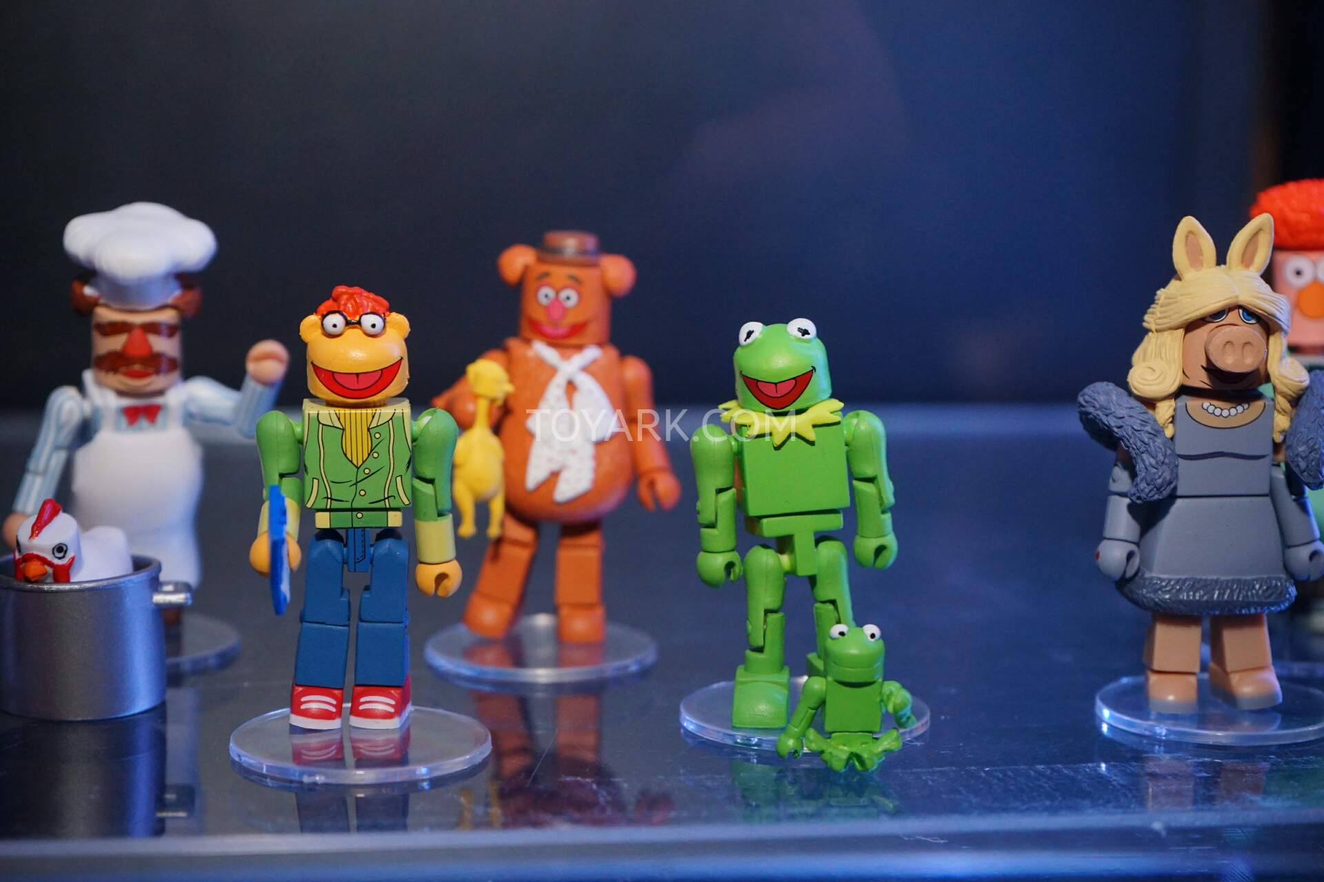 NYCC 2015 - Diamond Select Toys View Askew and Muppets - The