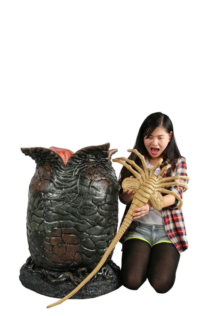 NECA Reveals Alien Egg and Facehugger Life Size Replicas