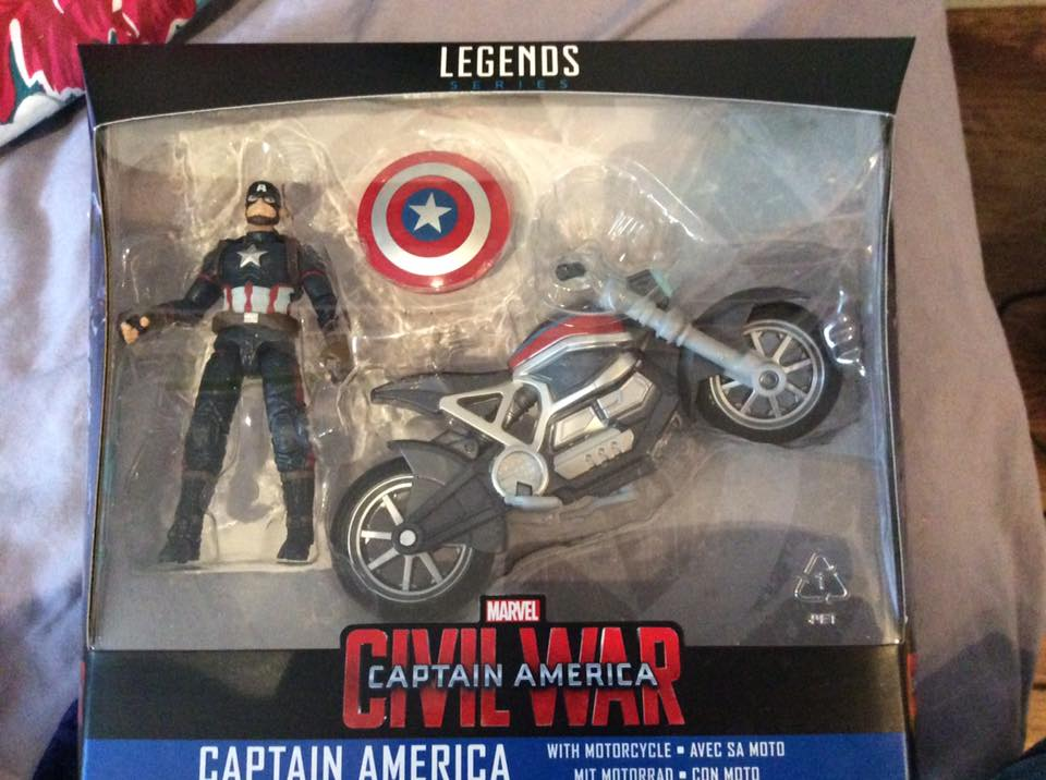 CAPTAIN AMERICA CIVIL WAR MARVEL LEGENDS 4-INCH ACTION FIGURE AND MOTORCYCLE
