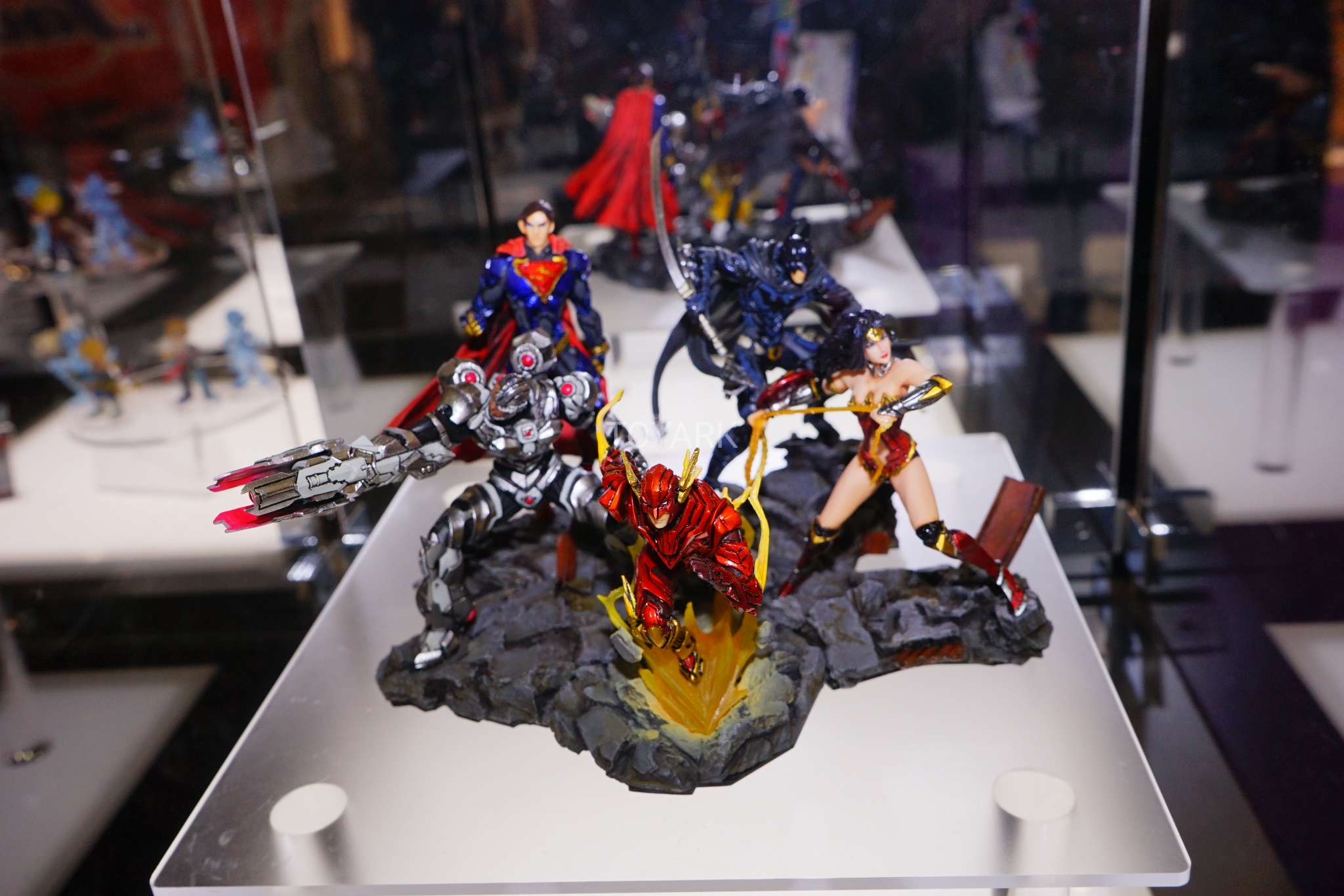 toy fair 2018 square enix marvel and dc the toyark news