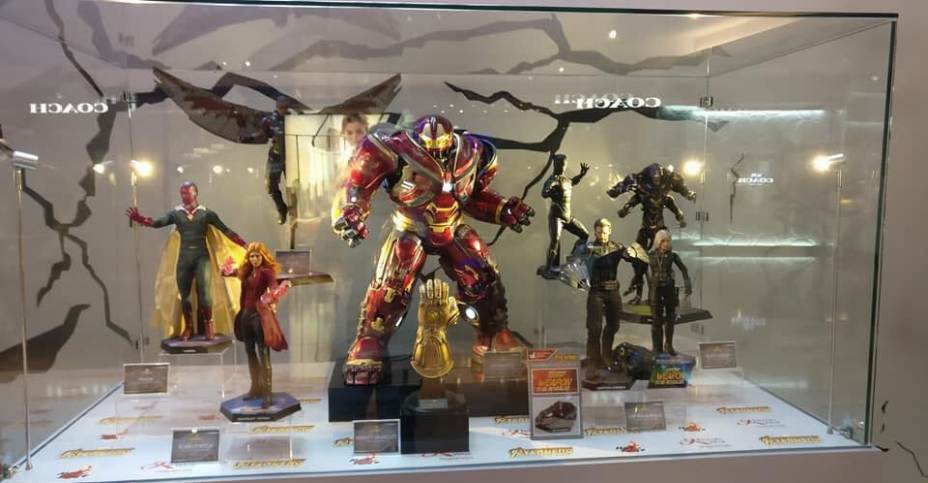 Avengers Infinity War Figures On Display By Hot Toys The Toyark