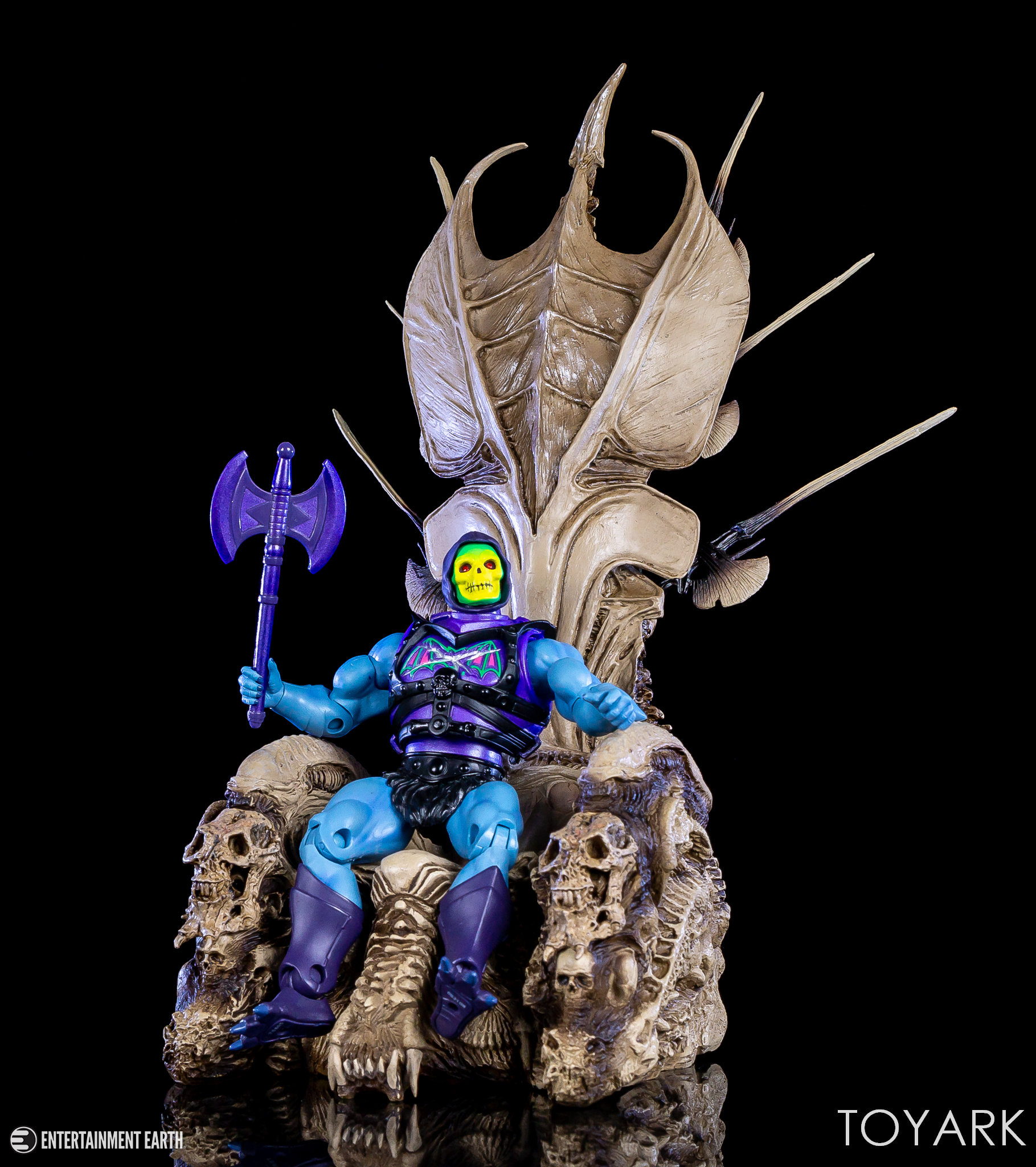 https://news.toyark.com/wp-content/uploads/sites/4/2018/05/NECA-Predator-Throne-032.jpg