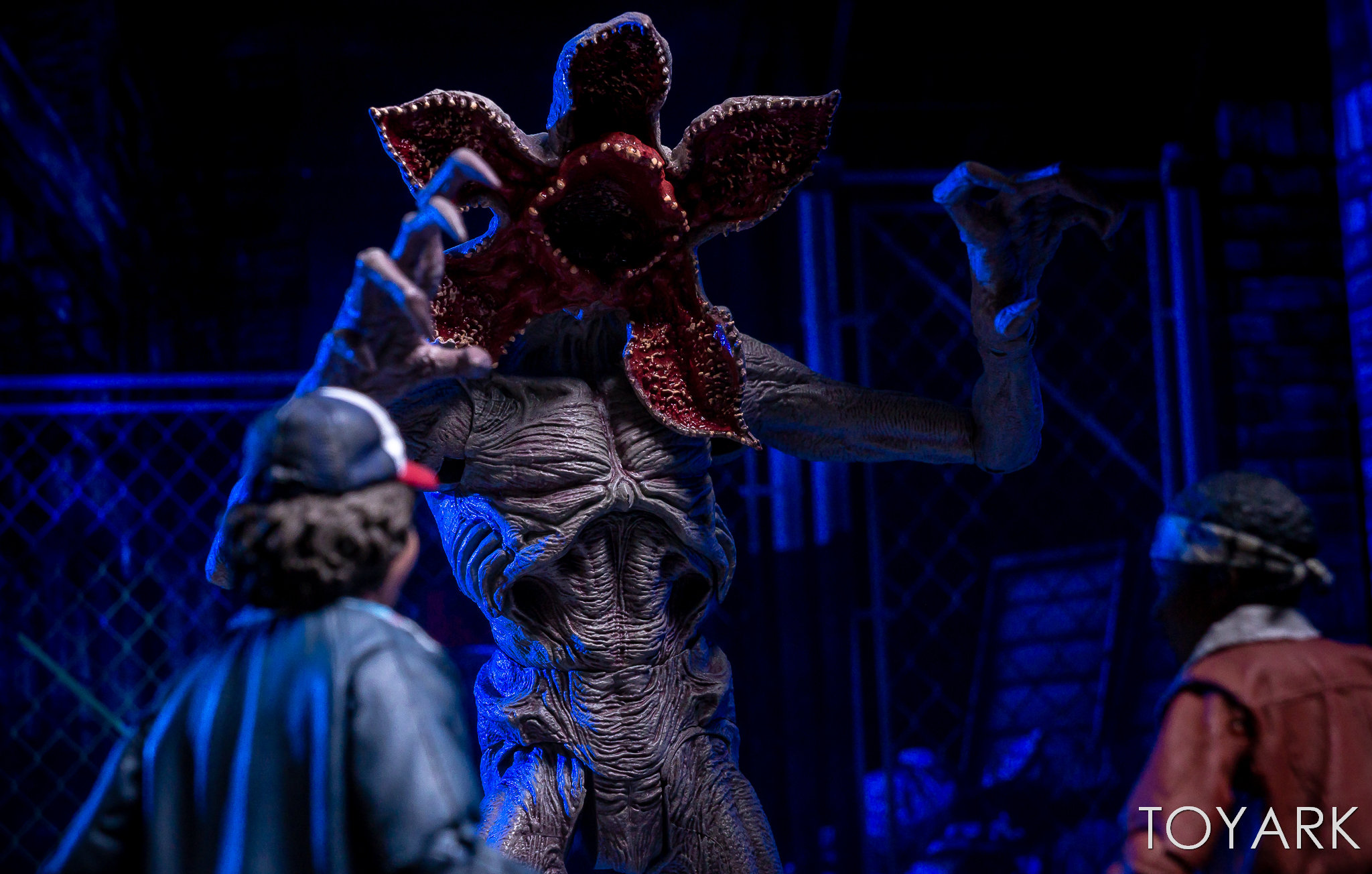 https://news.toyark.com/wp-content/uploads/sites/4/2018/05/Stranger-Things-Figs-by-McFarlane-048.jpg