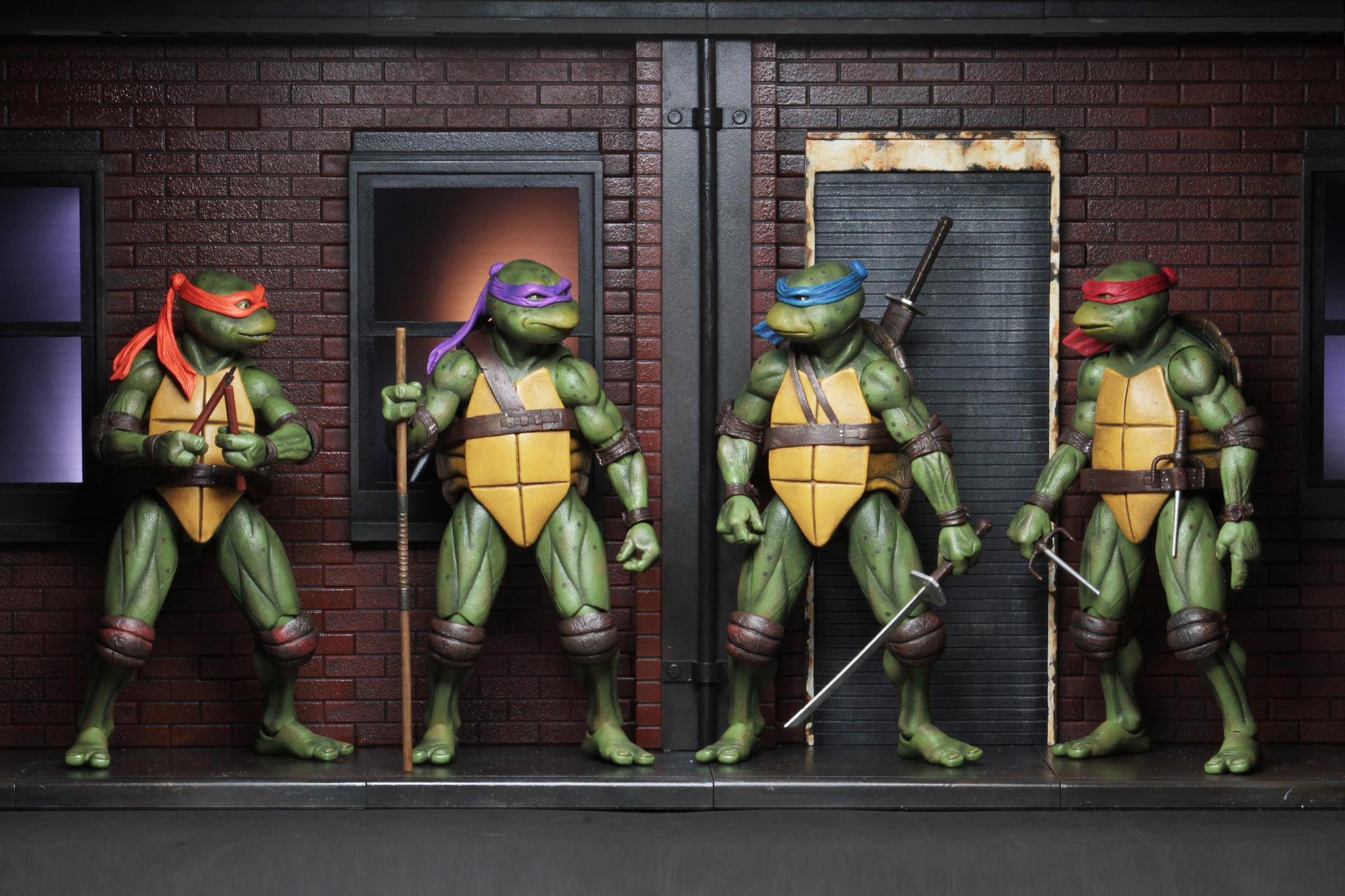 Teenage Mutant Ninja Turtles 1990 With Diorama Sdcc 2018 Exclusives By Neca The Toyark News