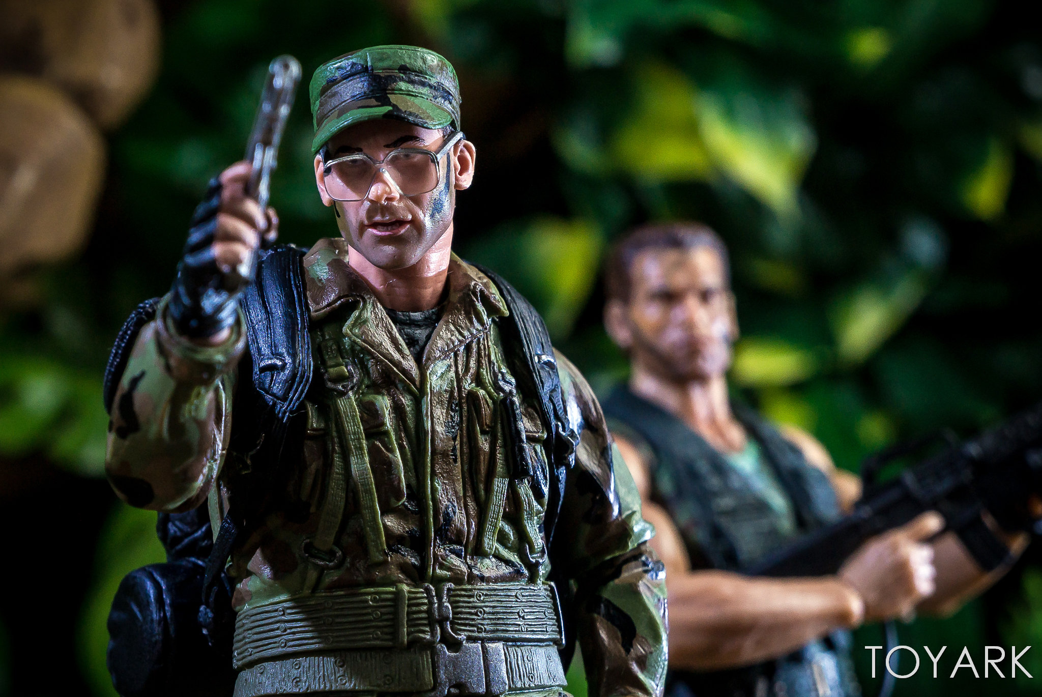 https://news.toyark.com/wp-content/uploads/sites/4/2018/07/NECA-SDCC2018-Predator-Hawkins-035.jpg