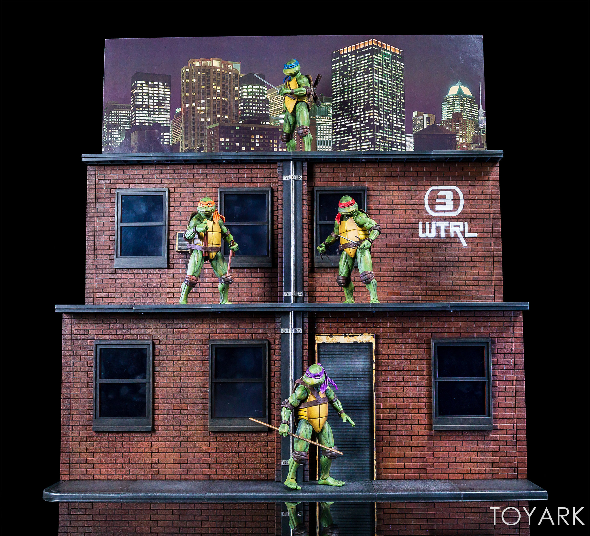https://news.toyark.com/wp-content/uploads/sites/4/2018/07/NECA-TMNT-1990-and-Dio-Set-083.jpg