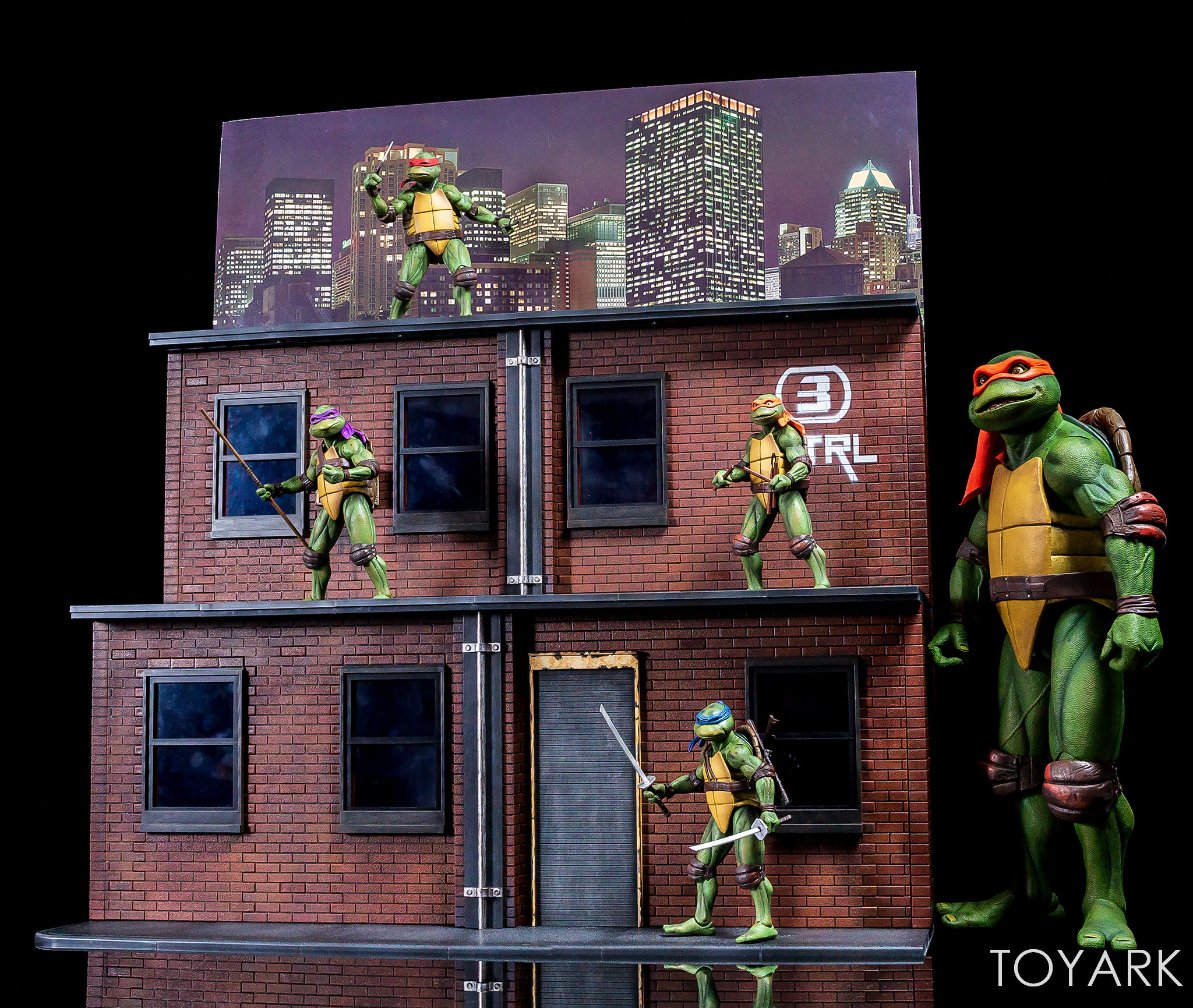 https://news.toyark.com/wp-content/uploads/sites/4/2018/07/NECA-TMNT-1990-and-Dio-Set-084.jpg