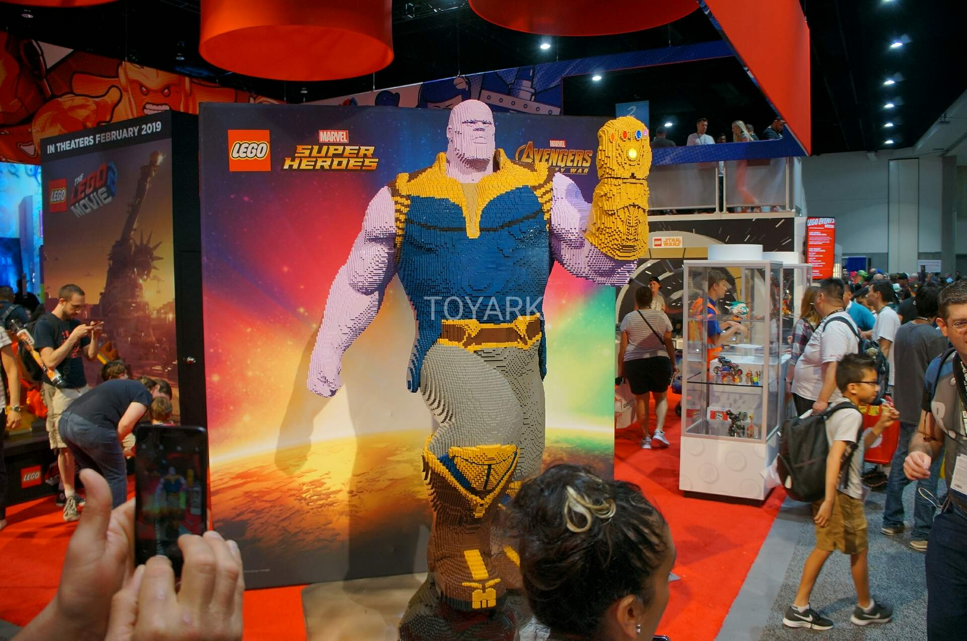 SDCC 2018 Gallery - LEGO Marvel and DC Super Heroes - The Toyark - News