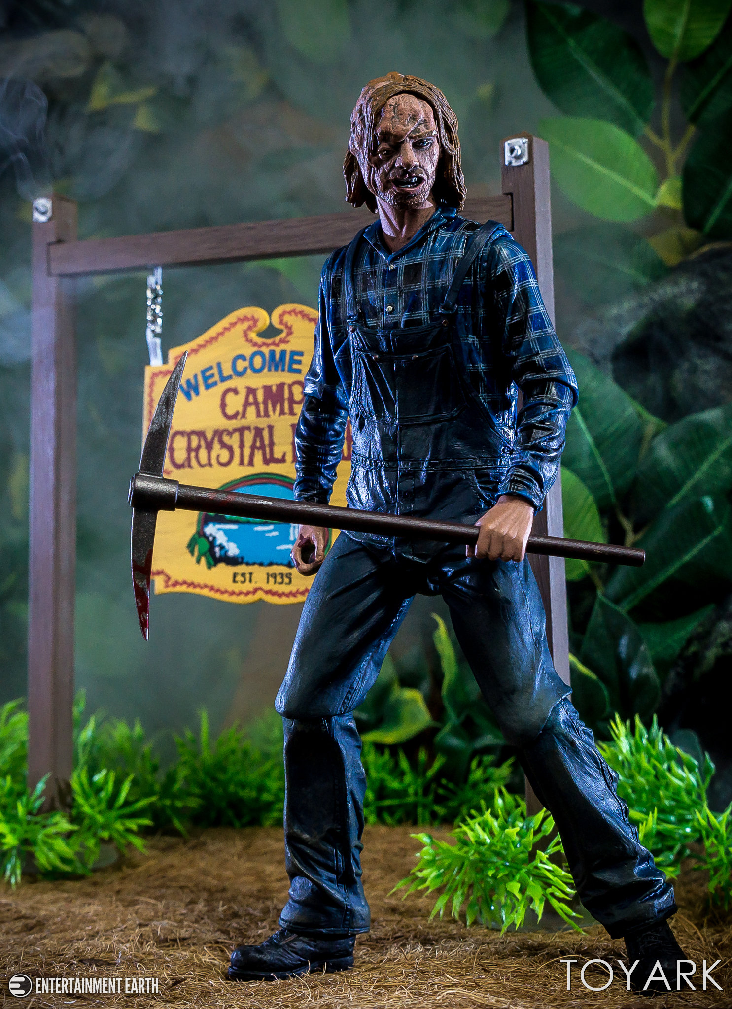 https://news.toyark.com/wp-content/uploads/sites/4/2018/08/NECA-Friday-the-13th-Part-2-Jason-026.jpg