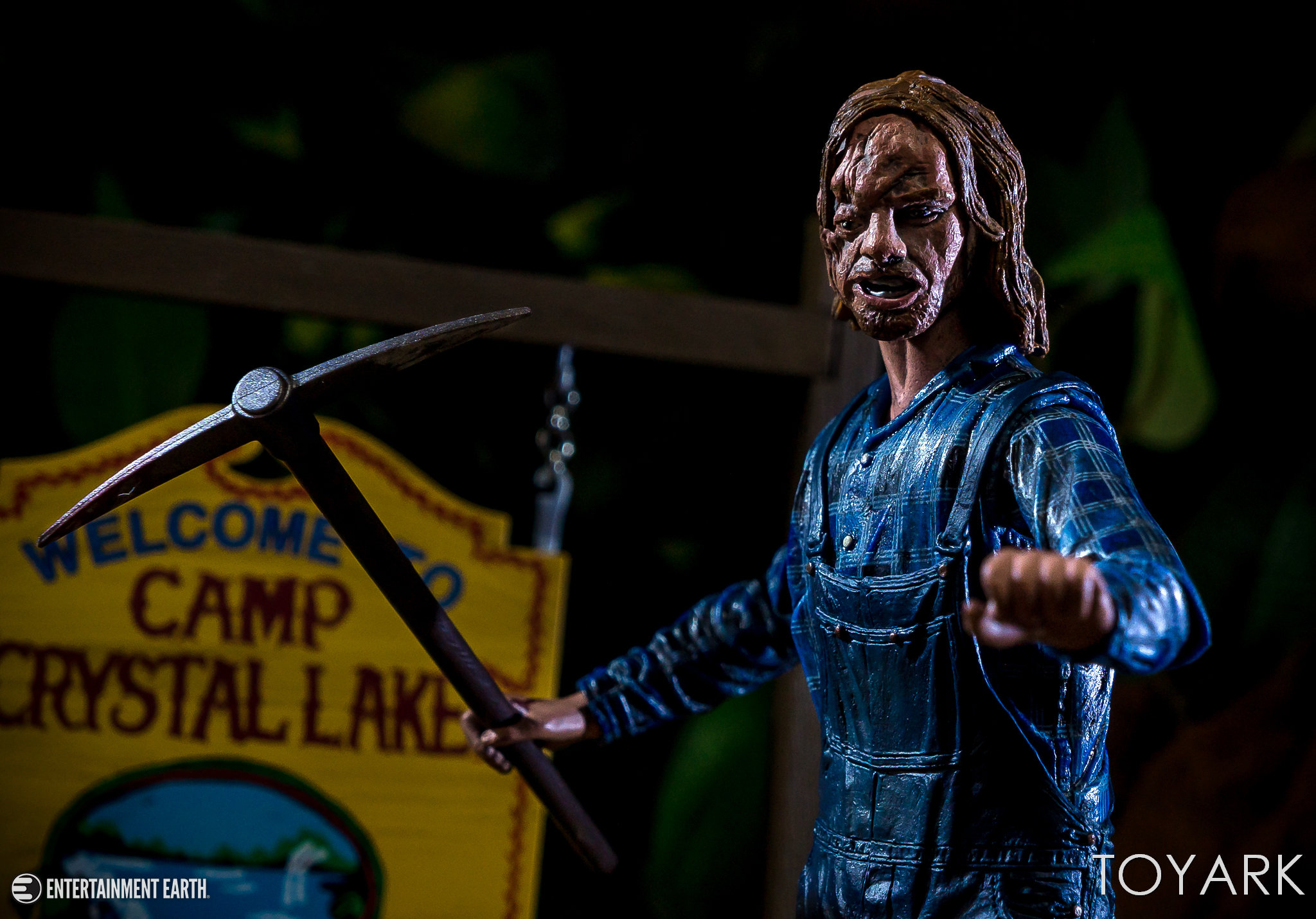 https://news.toyark.com/wp-content/uploads/sites/4/2018/08/NECA-Friday-the-13th-Part-2-Jason-027.jpg