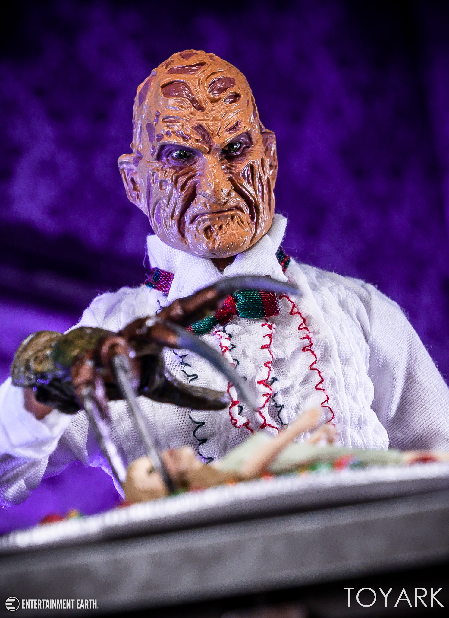 https://news.toyark.com/wp-content/uploads/sites/4/2018/10/Chef-Freddy-NECA-014.jpg
