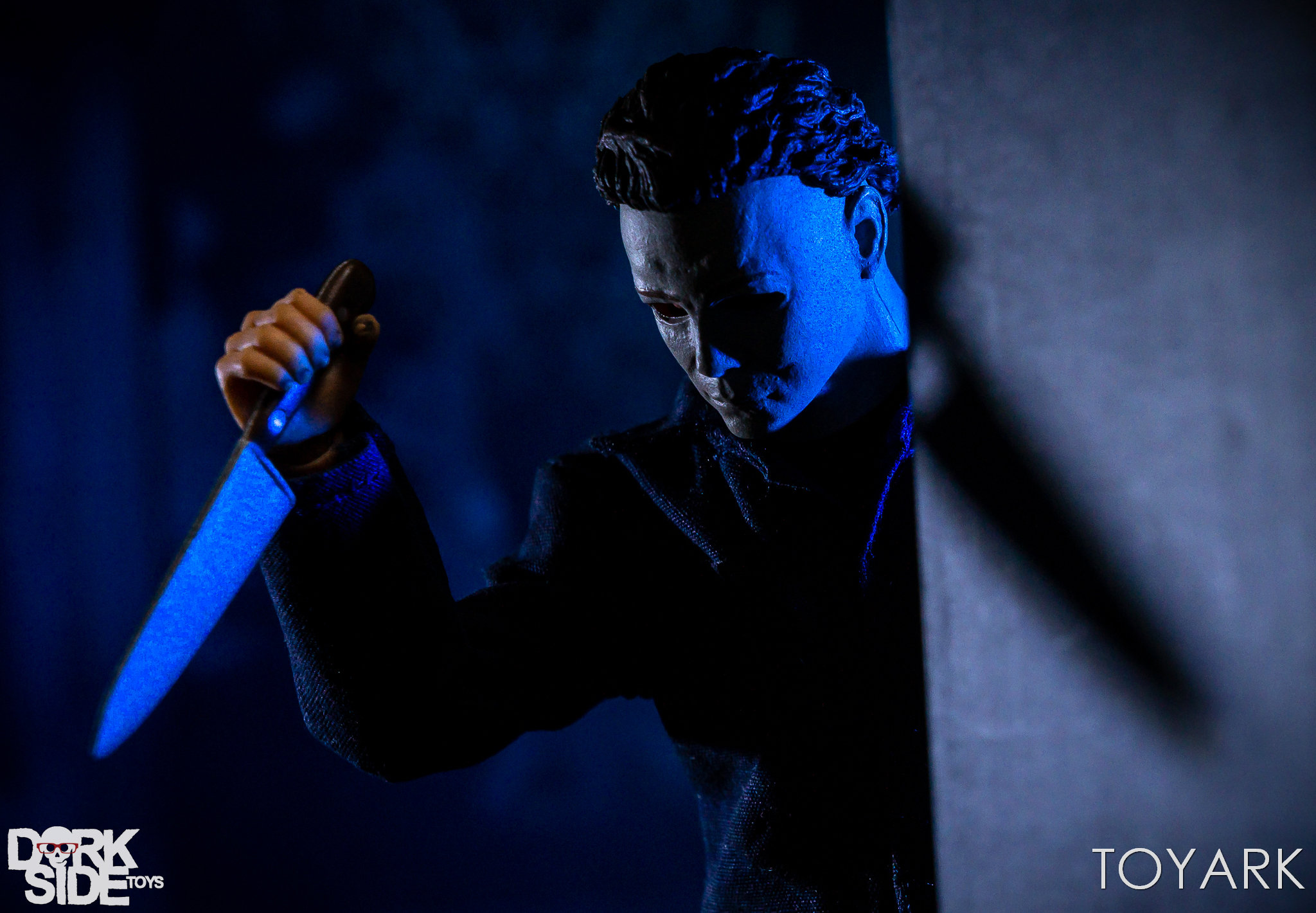 https://news.toyark.com/wp-content/uploads/sites/4/2018/10/Mezco-One12-Michael-Myers-027.jpg