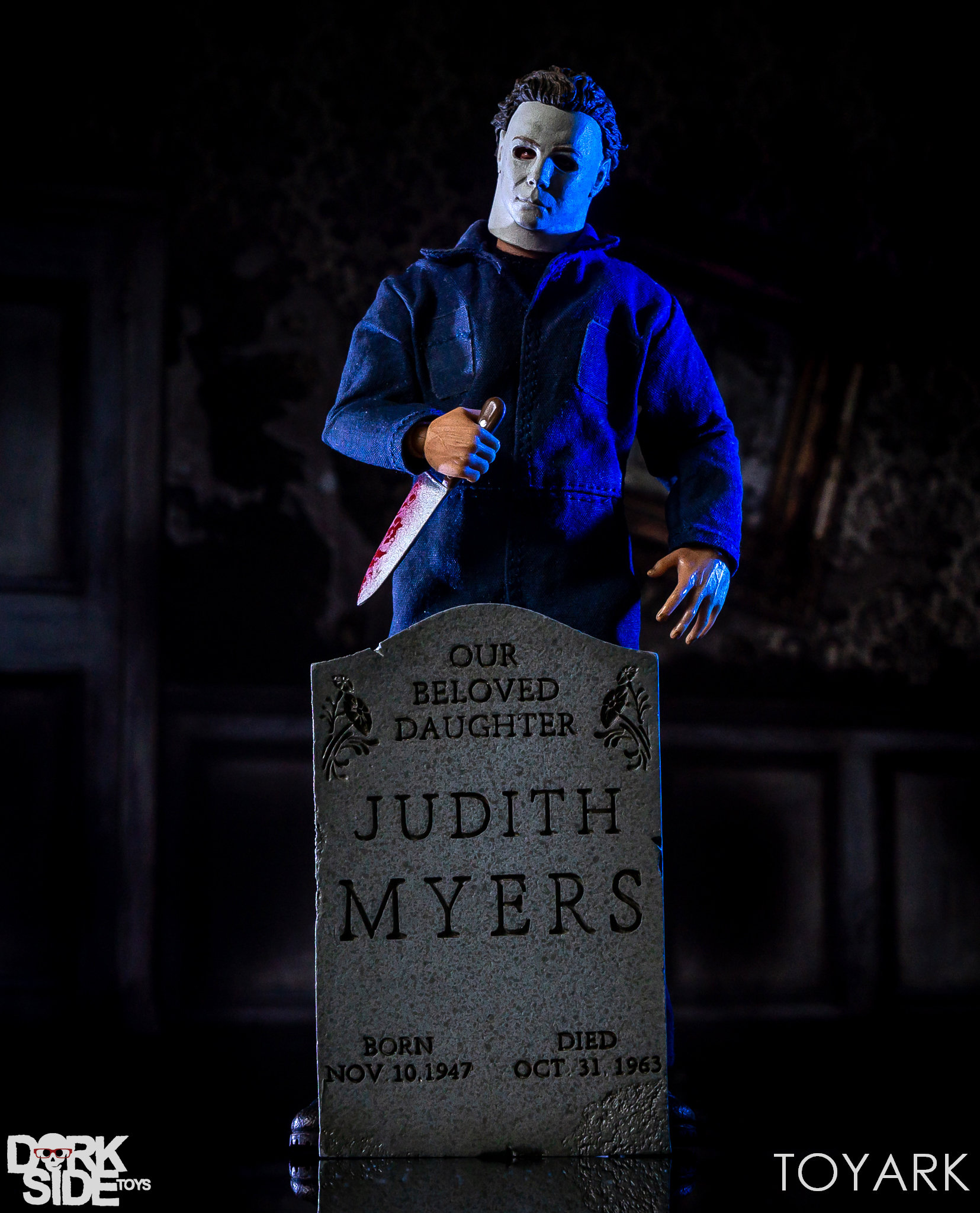 https://news.toyark.com/wp-content/uploads/sites/4/2018/10/Mezco-One12-Michael-Myers-042.jpg