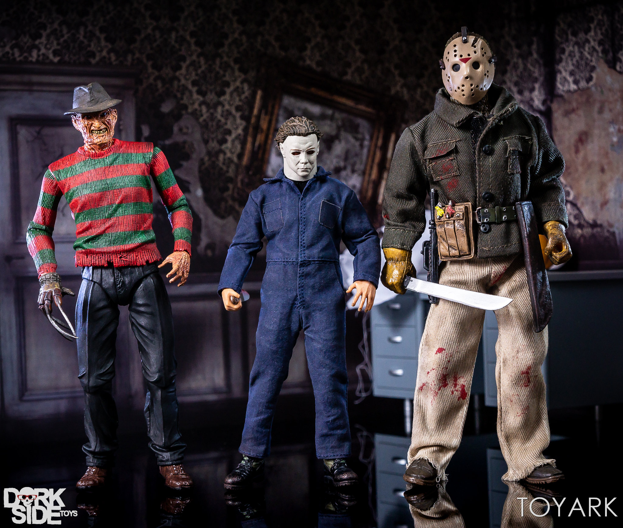 https://news.toyark.com/wp-content/uploads/sites/4/2018/10/Mezco-One12-Michael-Myers-050.jpg