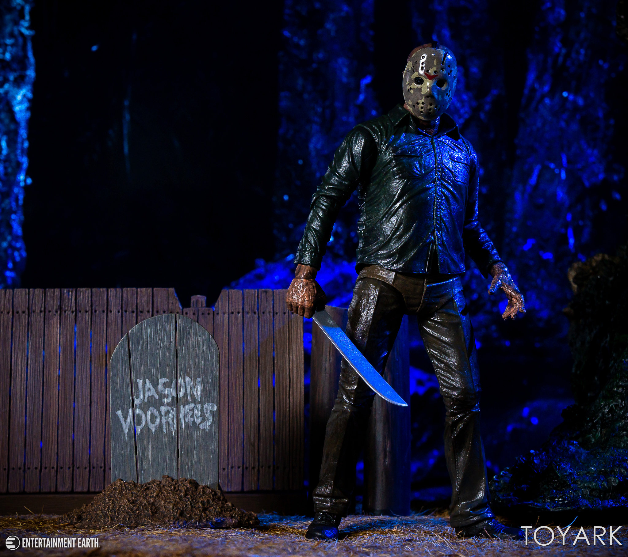 https://news.toyark.com/wp-content/uploads/sites/4/2018/10/NECA-Ultimate-Dream-Jason-020.jpg