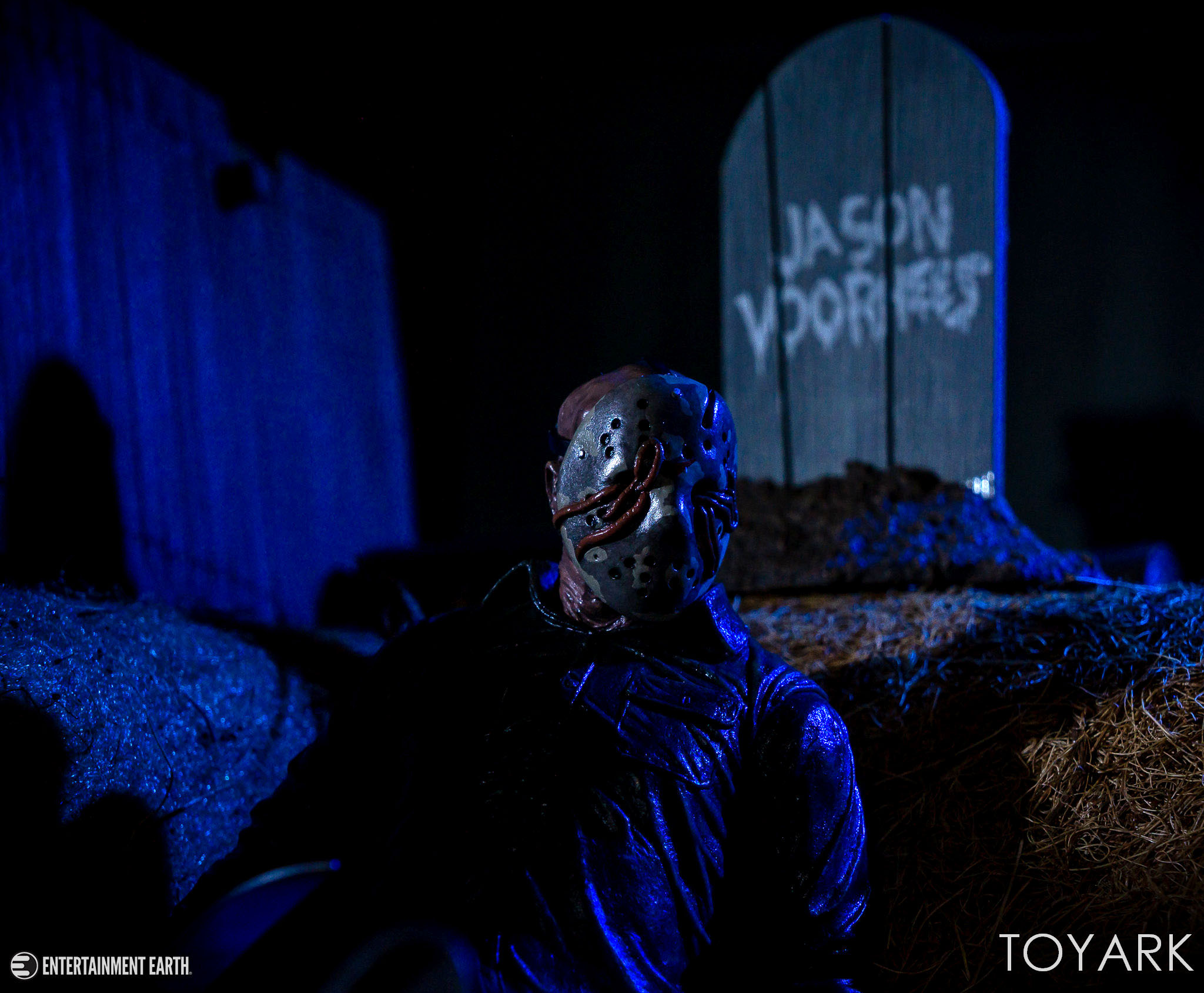 https://news.toyark.com/wp-content/uploads/sites/4/2018/10/NECA-Ultimate-Dream-Jason-027.jpg