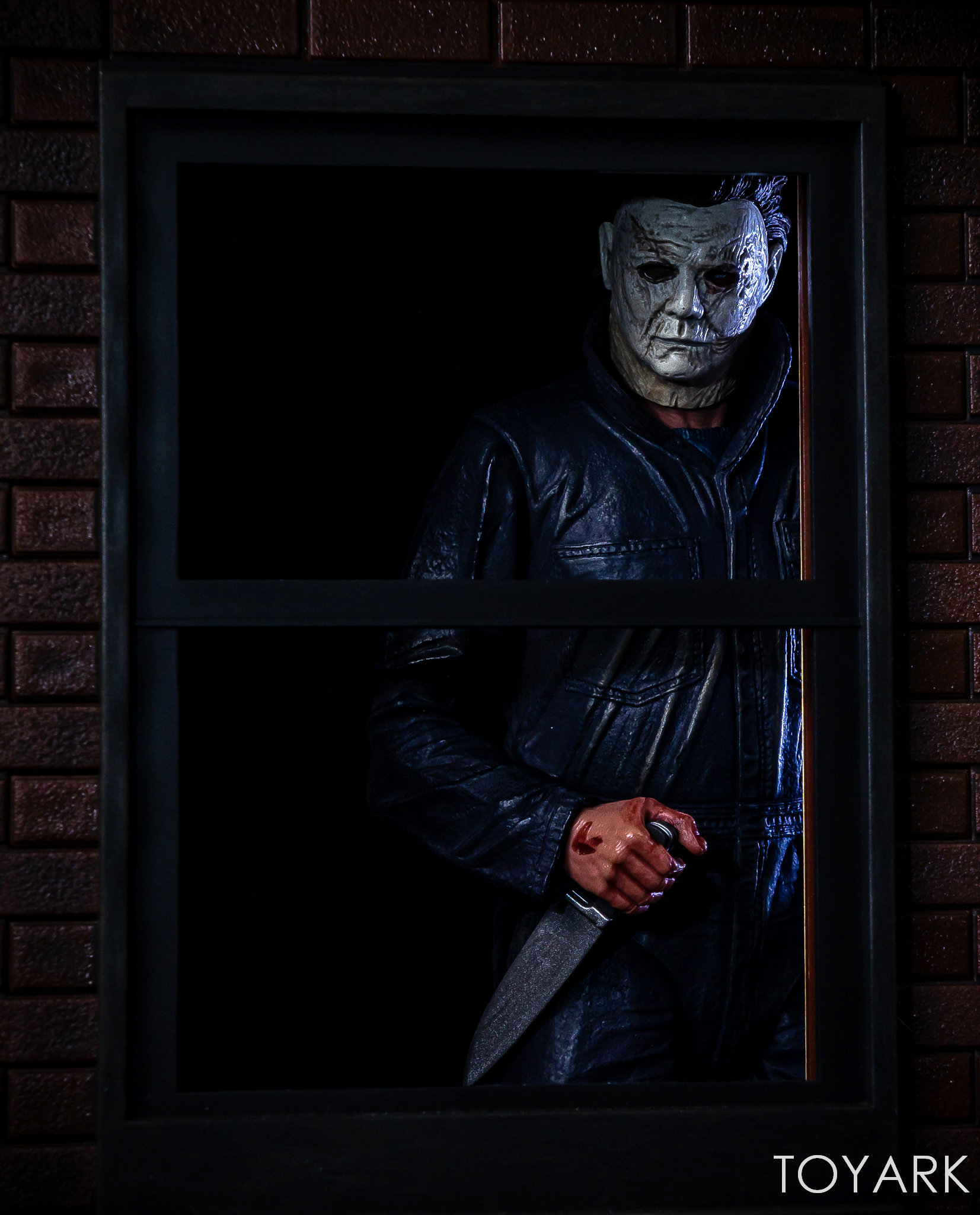 https://news.toyark.com/wp-content/uploads/sites/4/2018/11/Halloween-2018-Michael-Myers-Figure-038.jpg