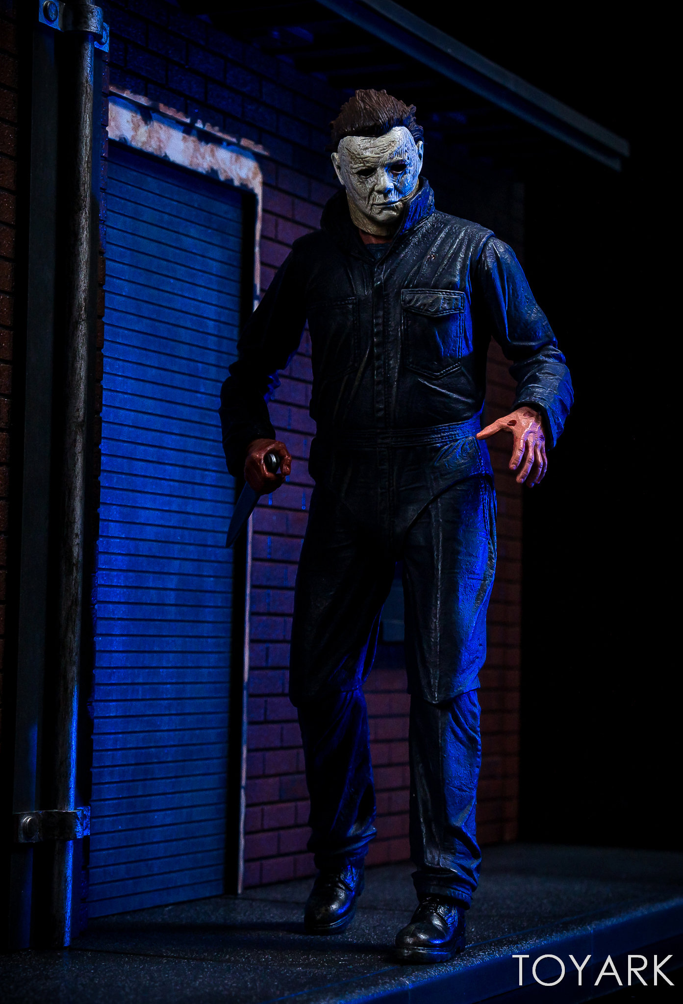 https://news.toyark.com/wp-content/uploads/sites/4/2018/11/Halloween-2018-Michael-Myers-Figure-040.jpg