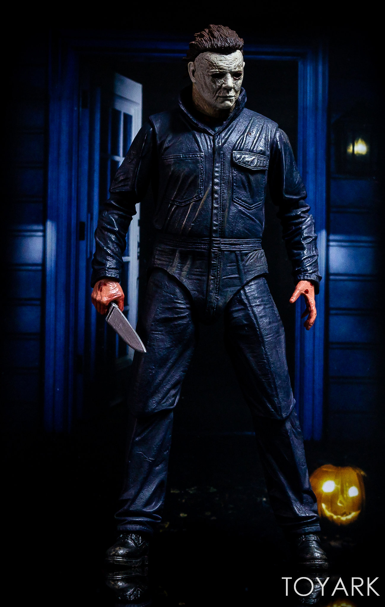 https://news.toyark.com/wp-content/uploads/sites/4/2018/11/Halloween-2018-Michael-Myers-Figure-069.jpg