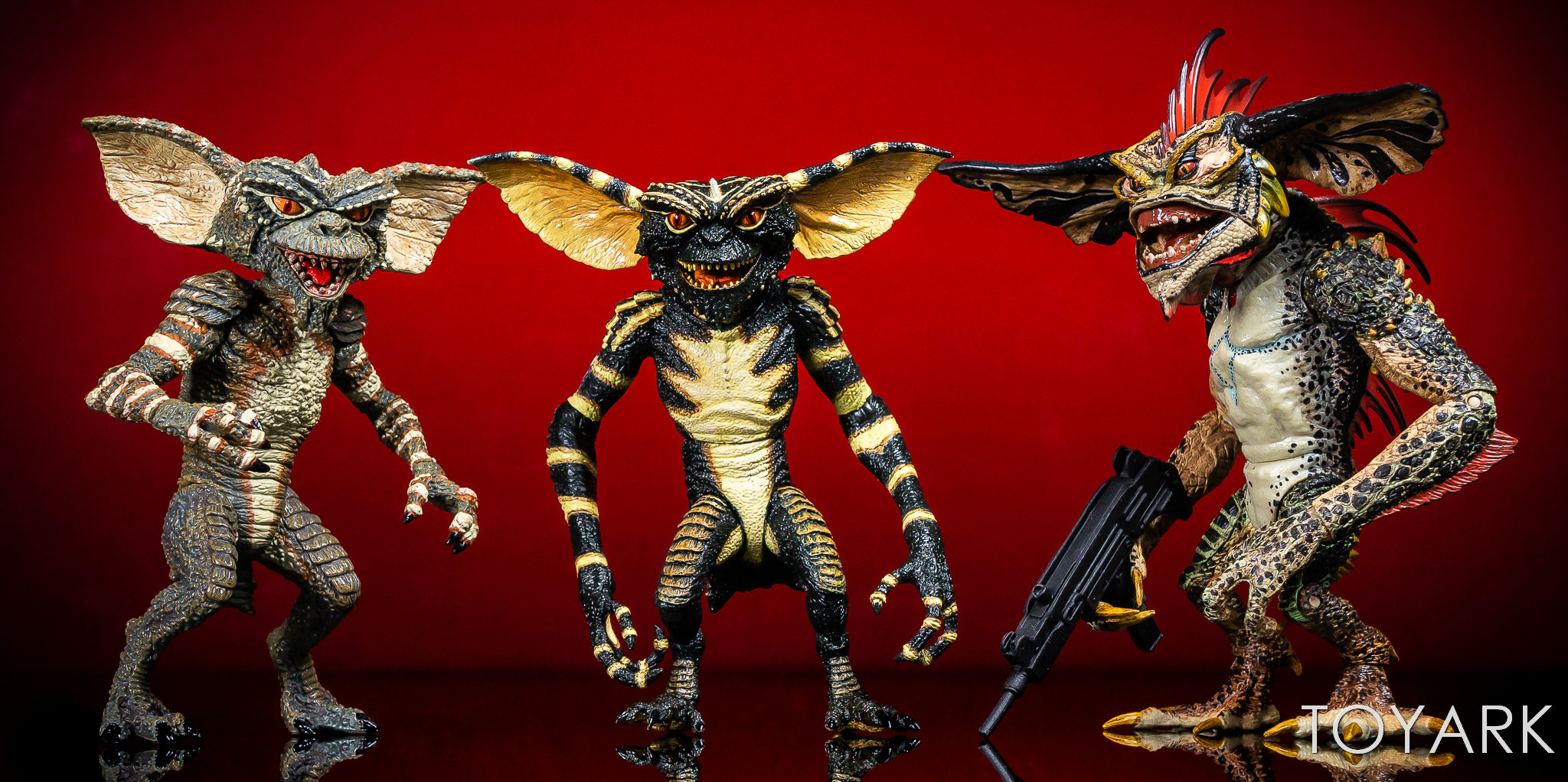 https://news.toyark.com/wp-content/uploads/sites/4/2018/11/Ultimate-NECA-Gremlin-Figure-015.jpg