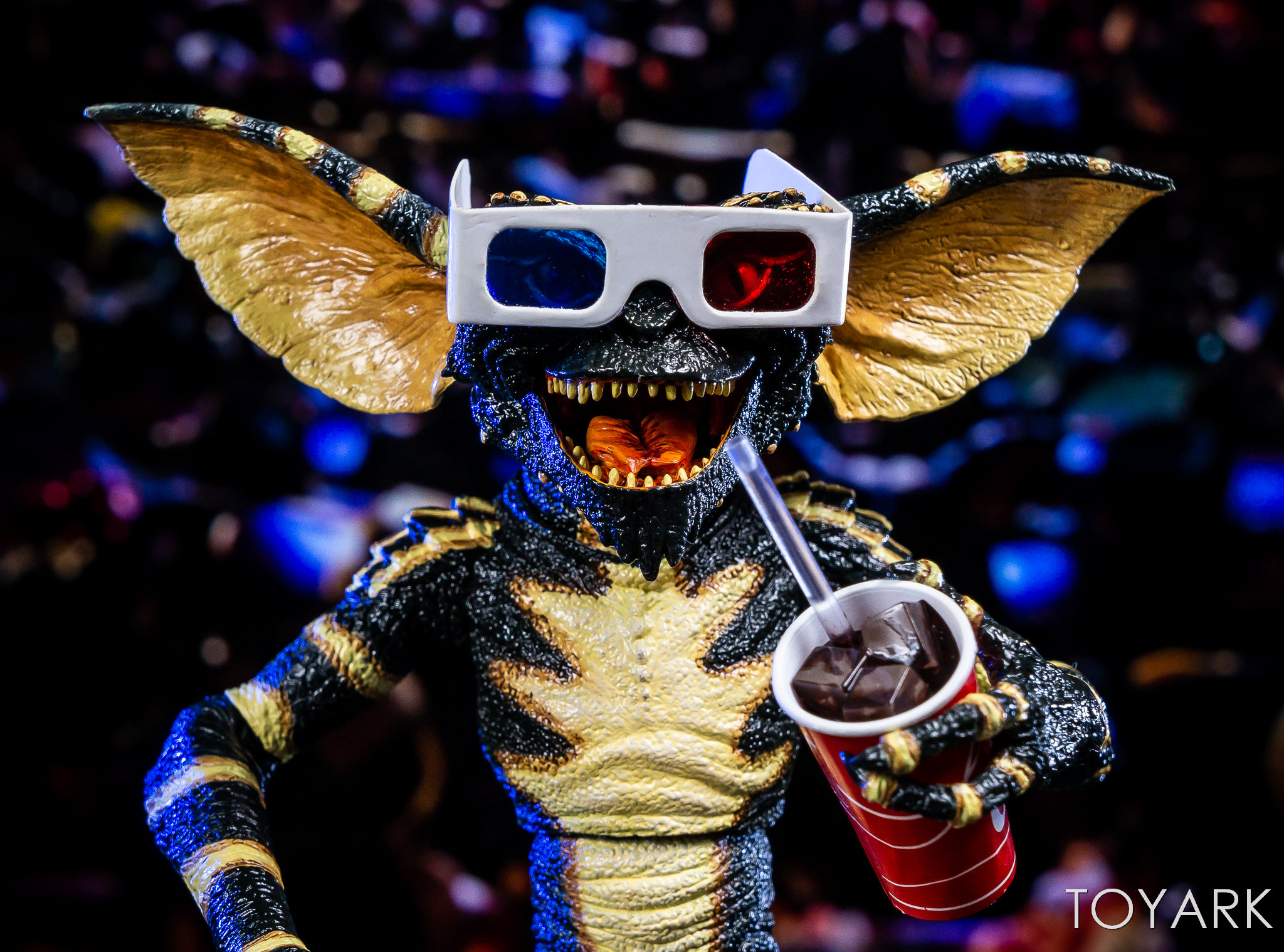 https://news.toyark.com/wp-content/uploads/sites/4/2018/11/Ultimate-NECA-Gremlin-Figure-017.jpg