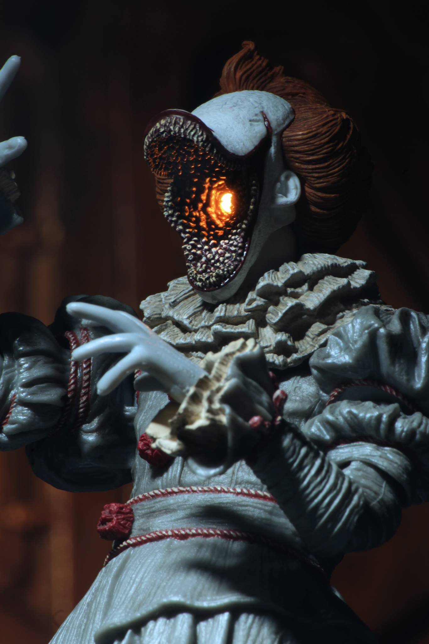 It 2017 Ultimate Dancing Clown Pennywise Figure By Neca The Toyark News