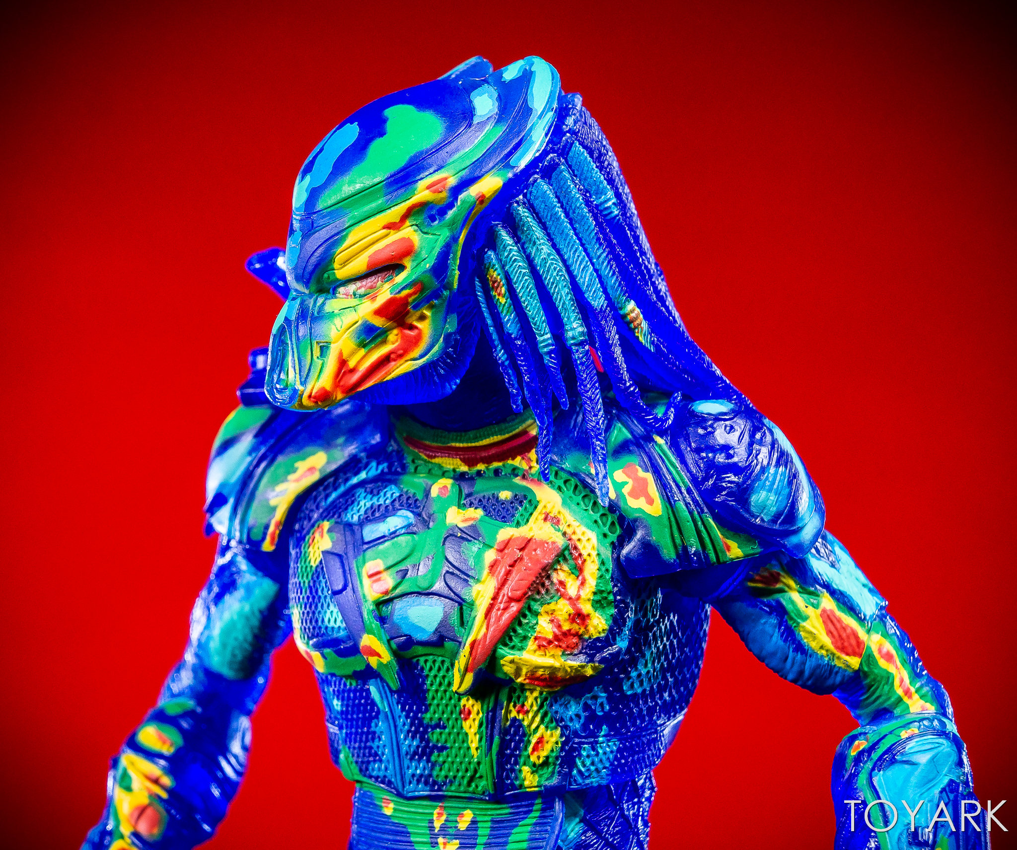 https://news.toyark.com/wp-content/uploads/sites/4/2018/12/NECA-Predator-2018-Thermal-Vision-Predator-011.jpg