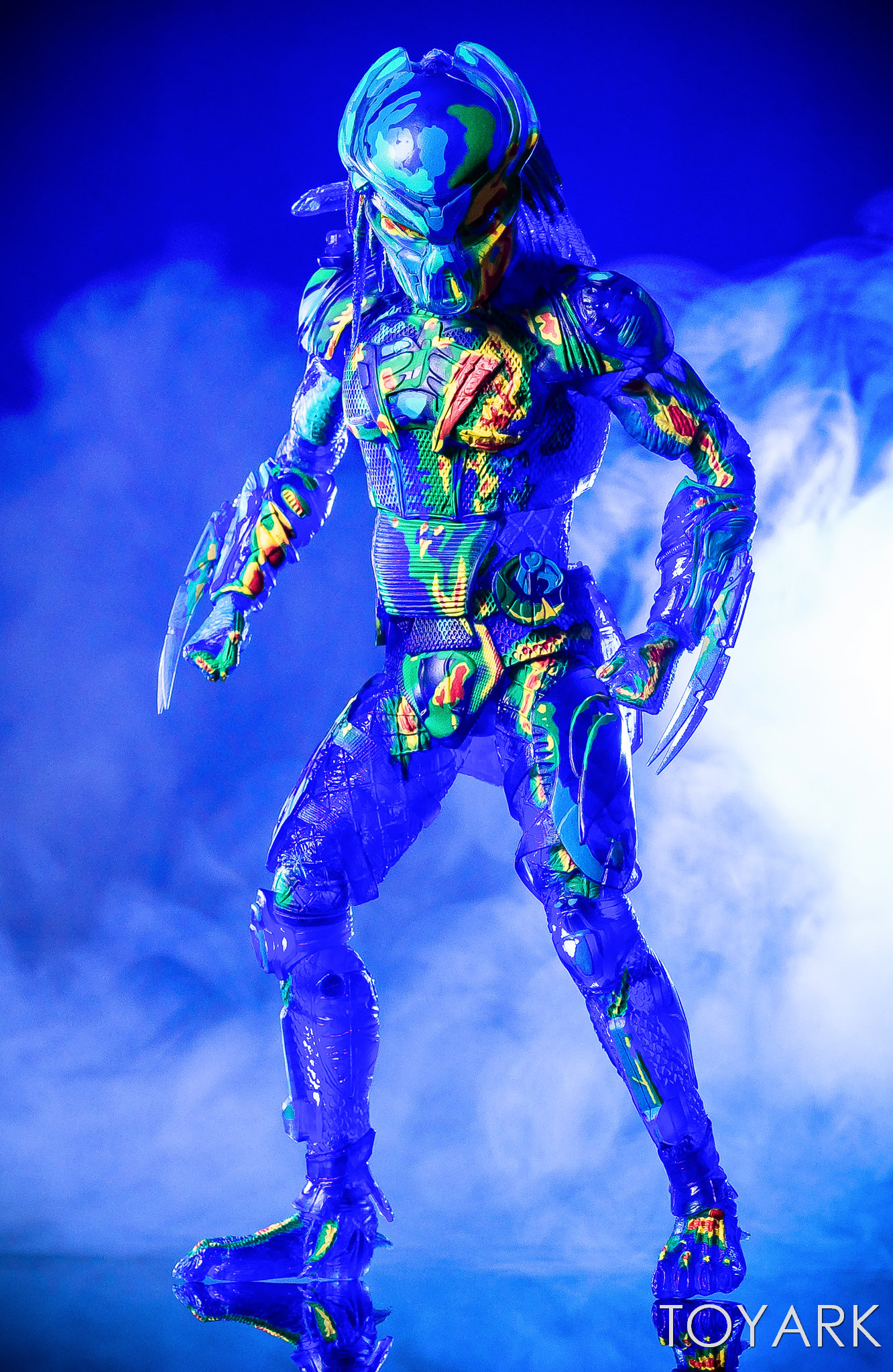 https://news.toyark.com/wp-content/uploads/sites/4/2018/12/NECA-Predator-2018-Thermal-Vision-Predator-017.jpg
