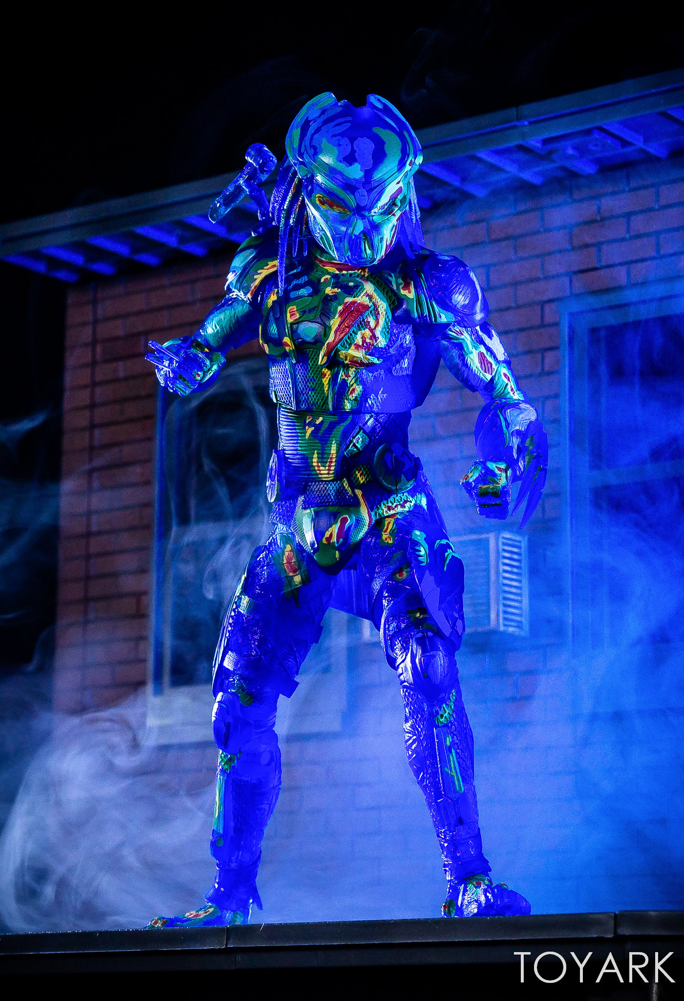 https://news.toyark.com/wp-content/uploads/sites/4/2018/12/NECA-Predator-2018-Thermal-Vision-Predator-022.jpg